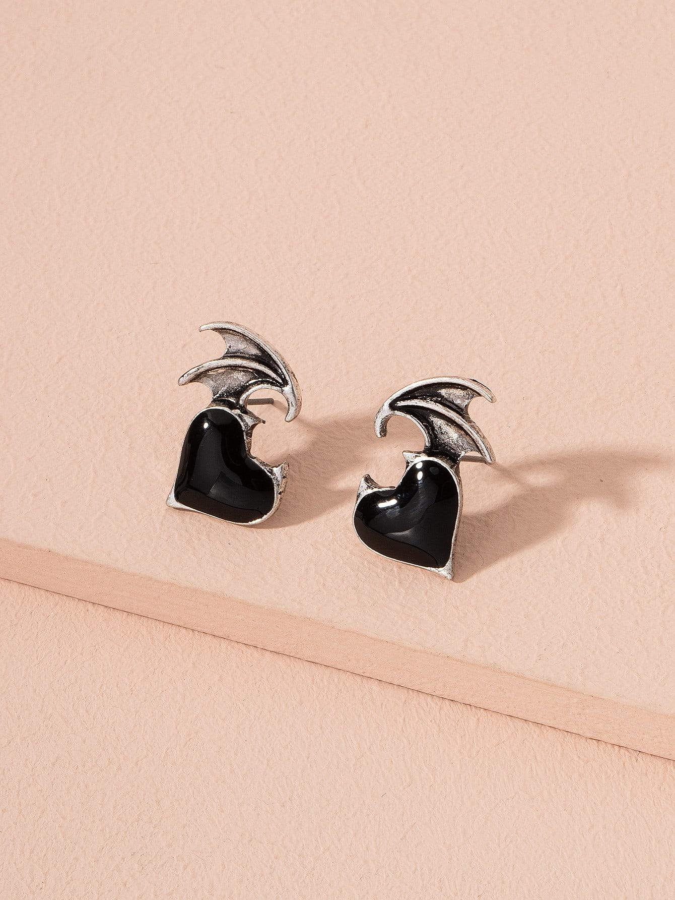 Heart Stud Earrings thumbnail