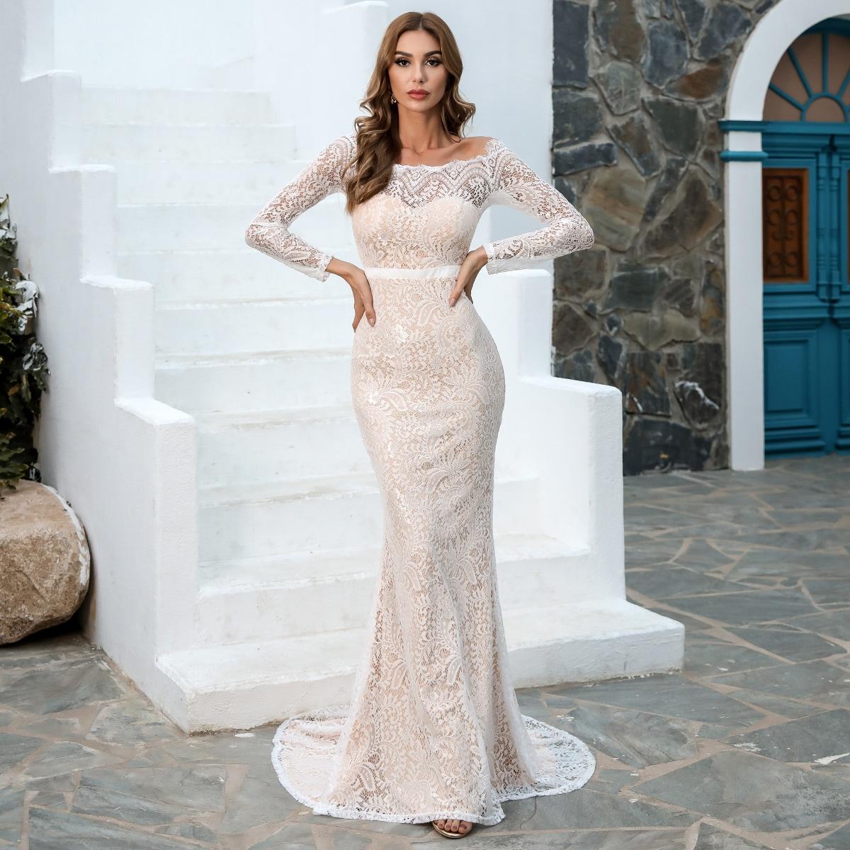 Кружевное платье-русалка