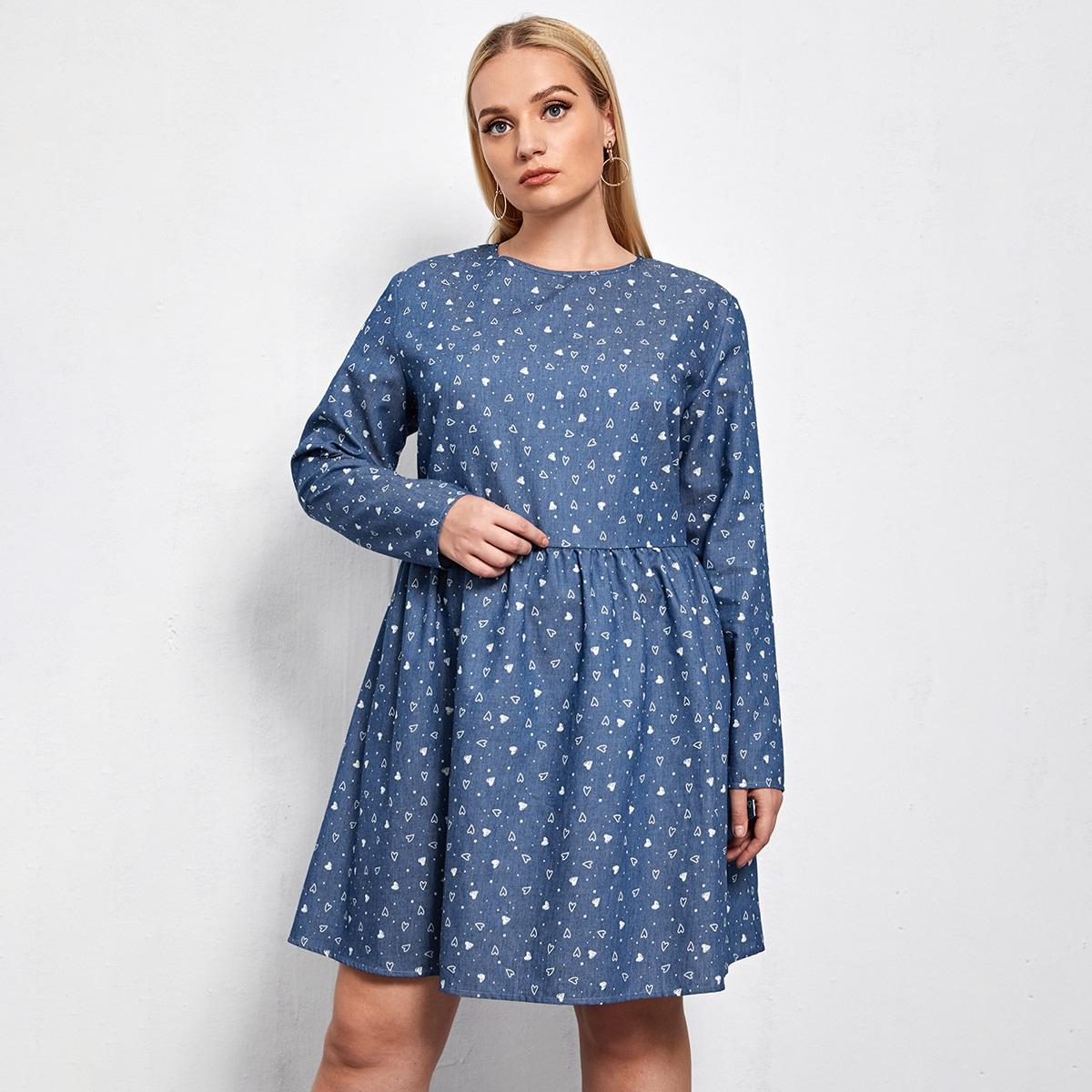 Джинсовое платье размера плюс с принтом сердечка