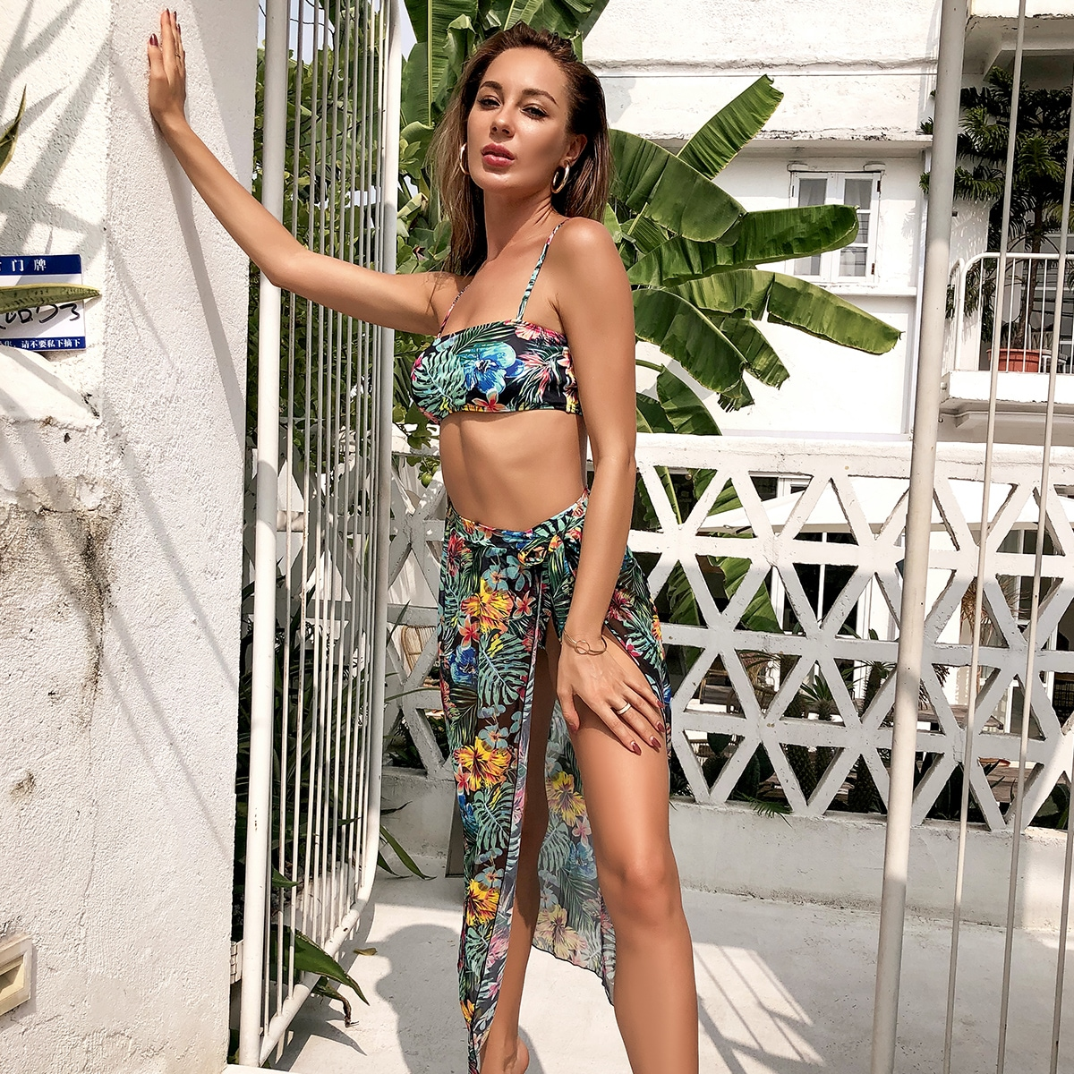 3 пакета бикини и пляжная юбка соригинальнымпринтом