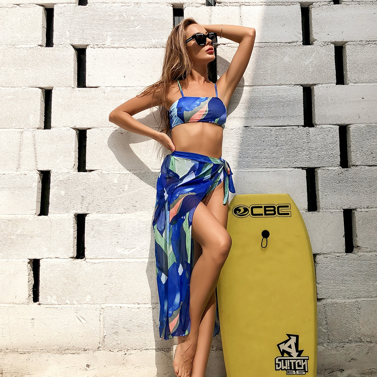 3 пакета бикини и пляжная юбка