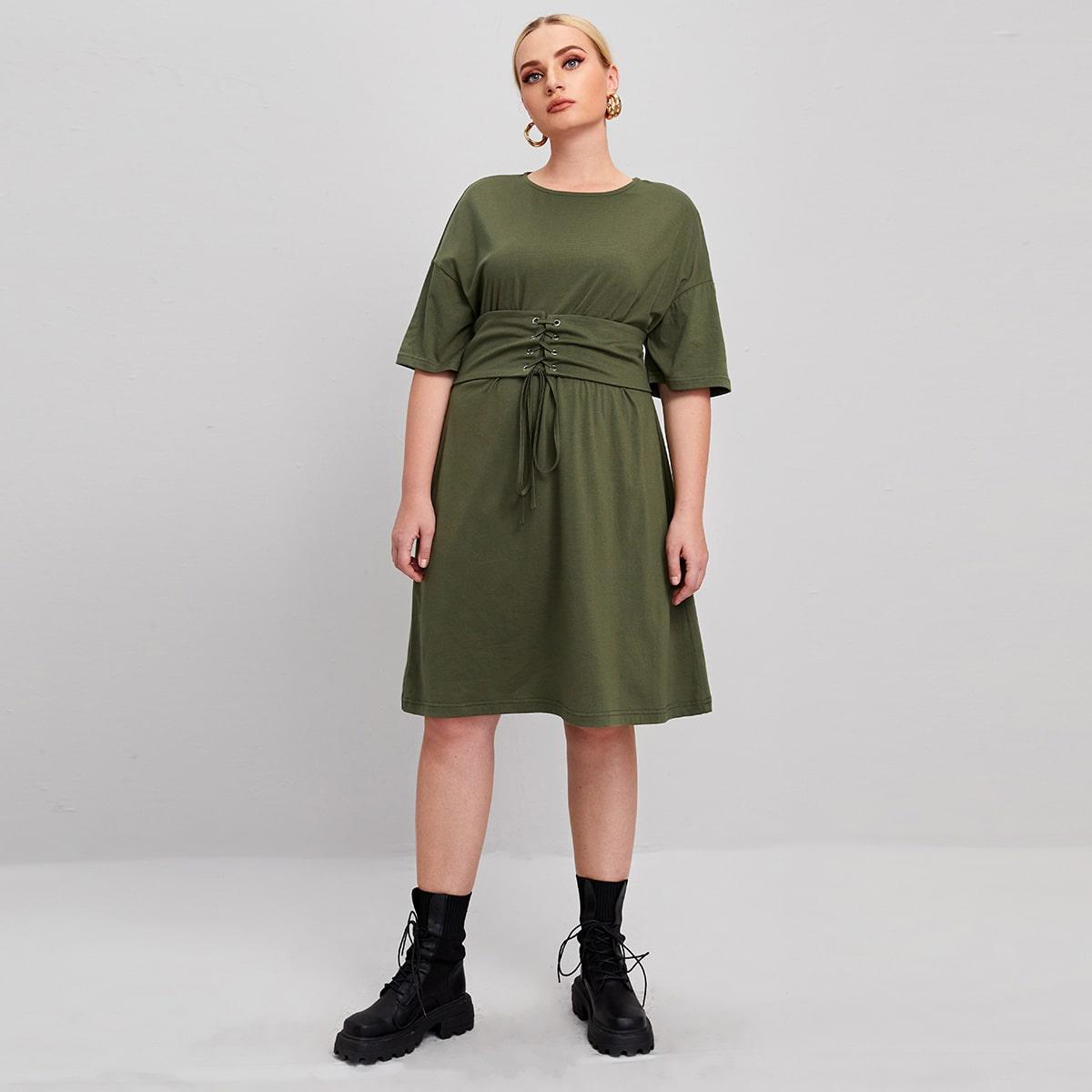 Платье размера плюс с корсетом