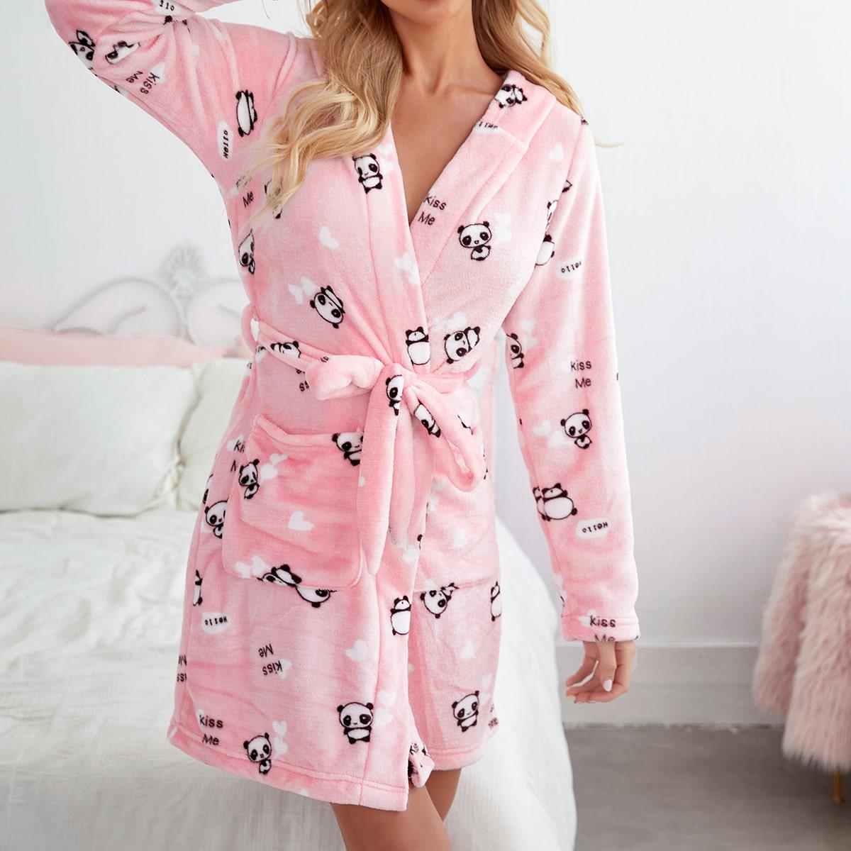 Плюшевый халат с капюшоном иоригинальнымпринтом