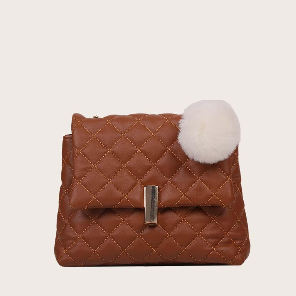 Стеганая сумка через плечо с помпоном