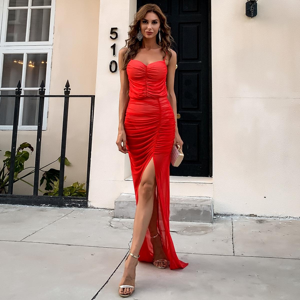 Сетчатое платье со сборками и открытой спиной