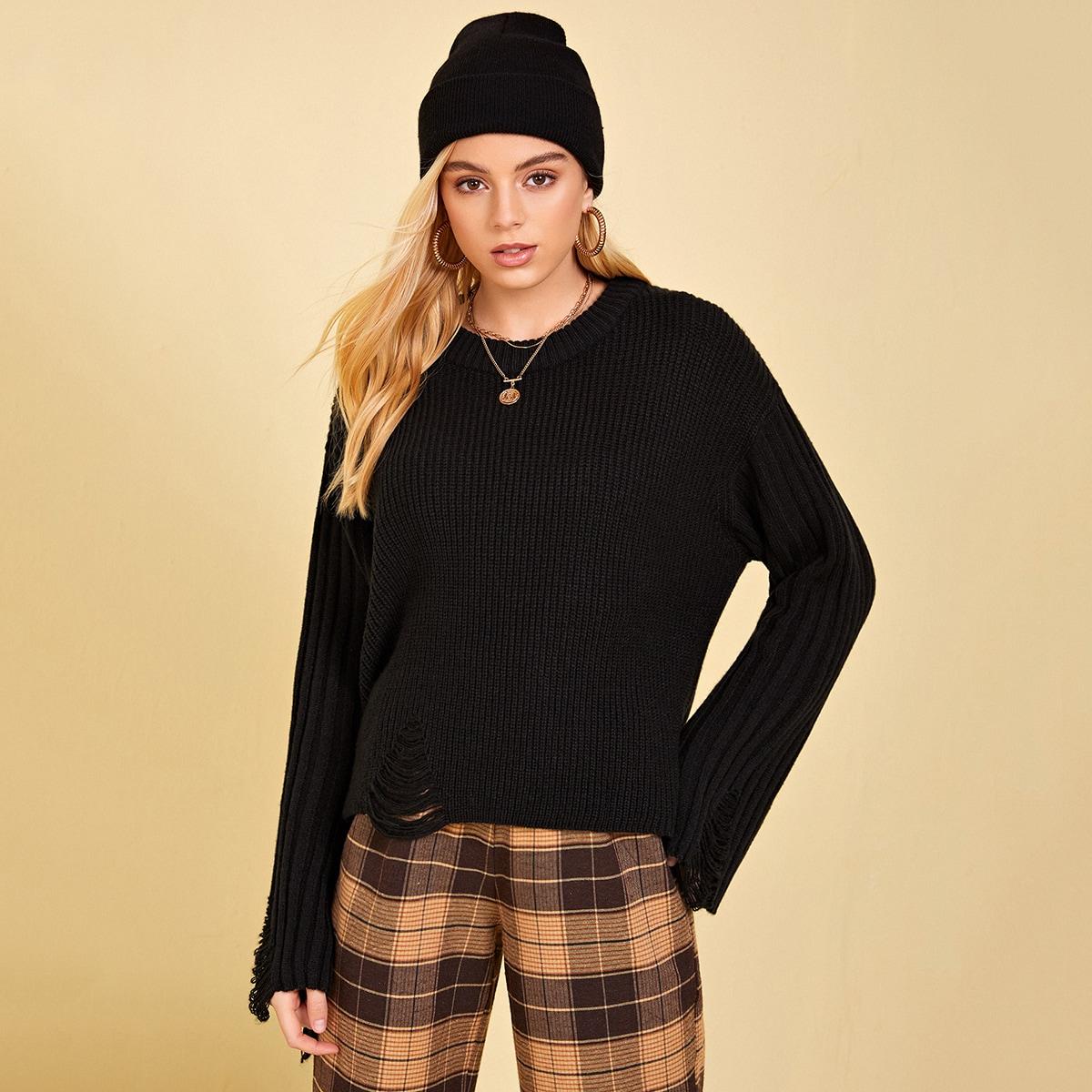 Рваный свитер