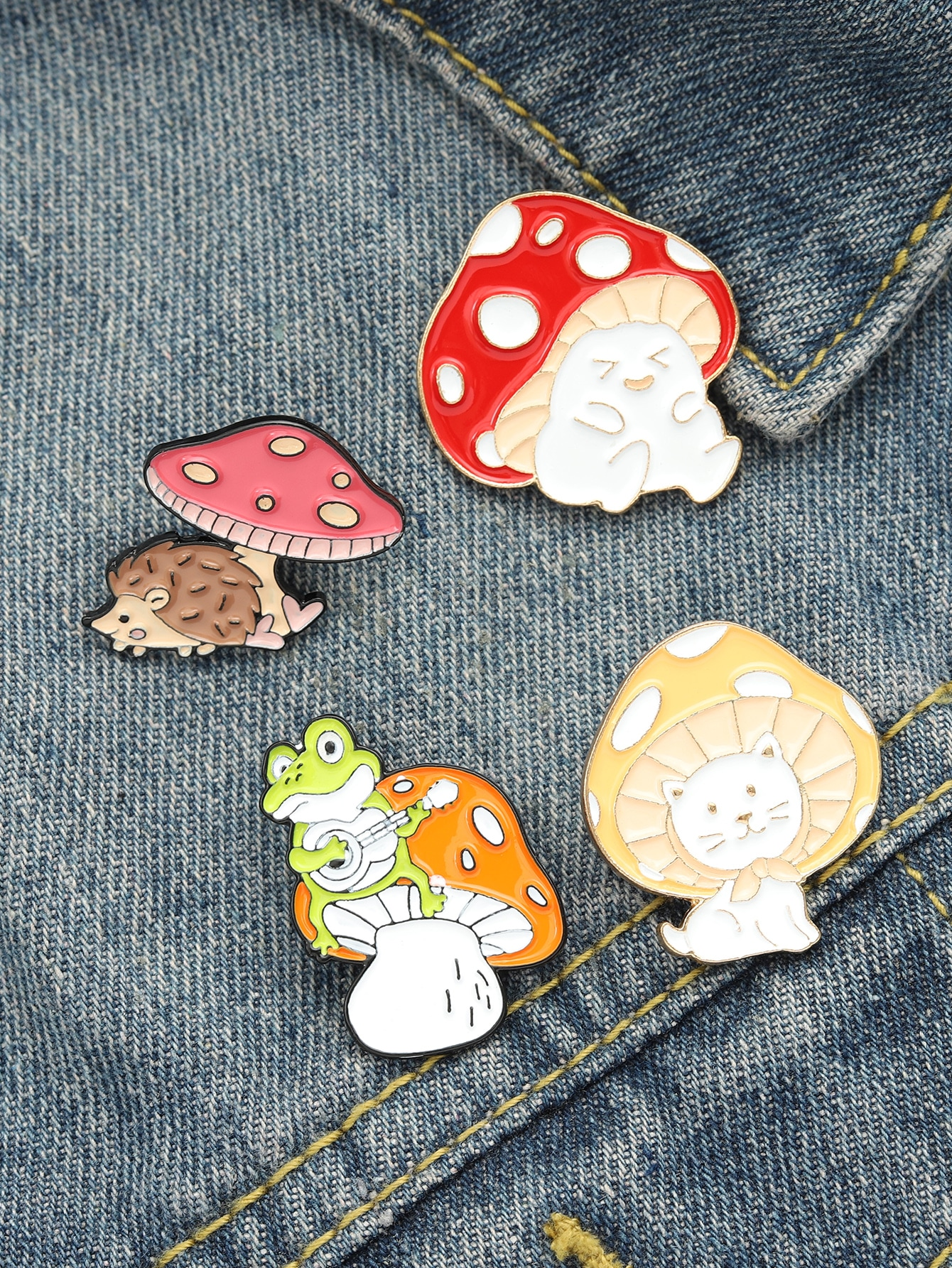 4pcs Cartoon Mushroom Design Brooch thumbnail
