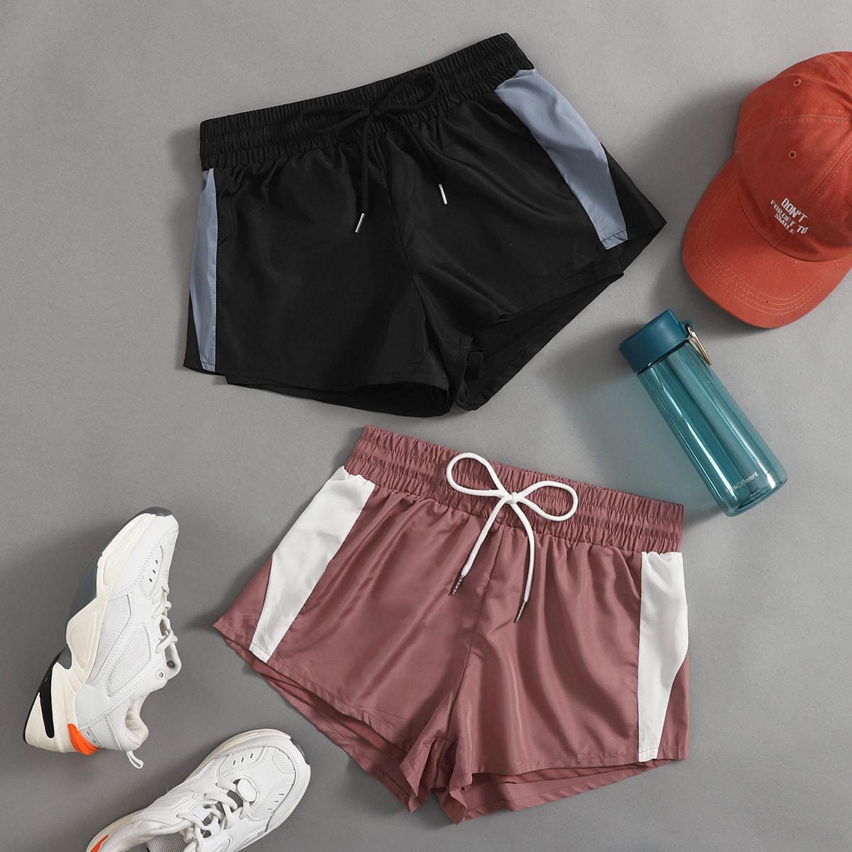 На кулиске контрастный цвет спортивные шорты