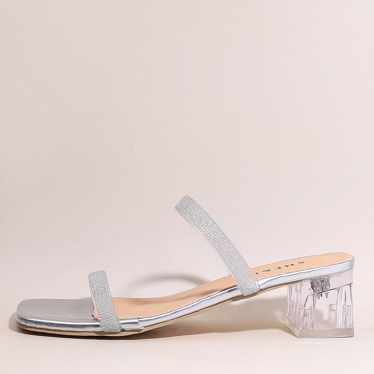 Блестящие сандалии на каблуке