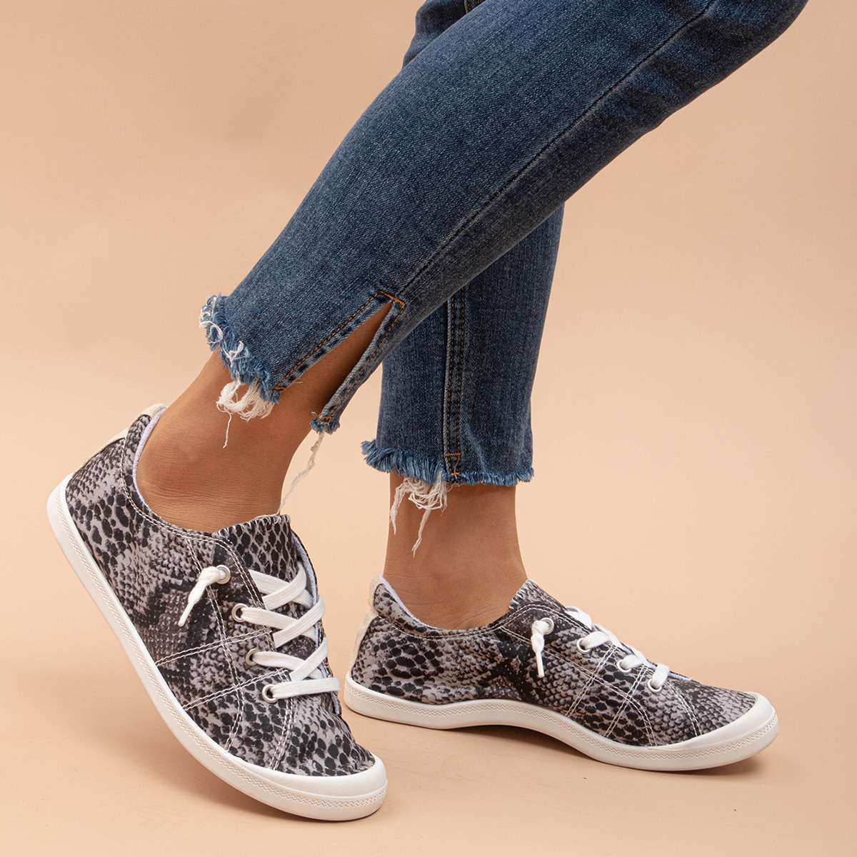 SHEIN / Snakeskin Print Lace-up Front Sneakers