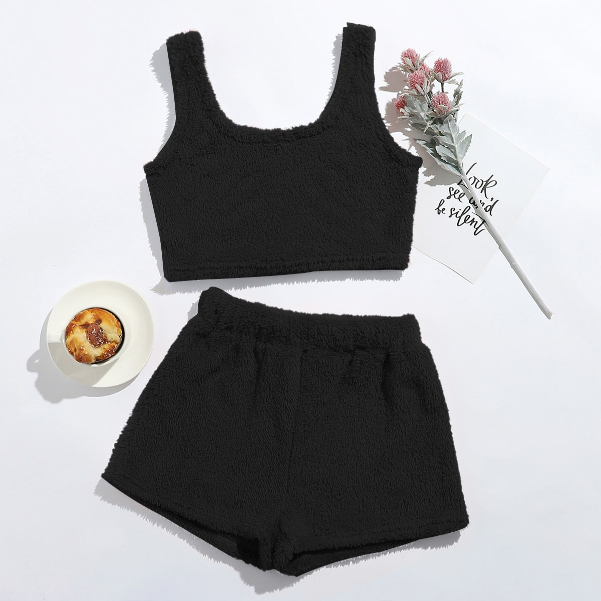 SHEIN / Einfarbiges Flanell Tank Top & Shorts Lounge Set