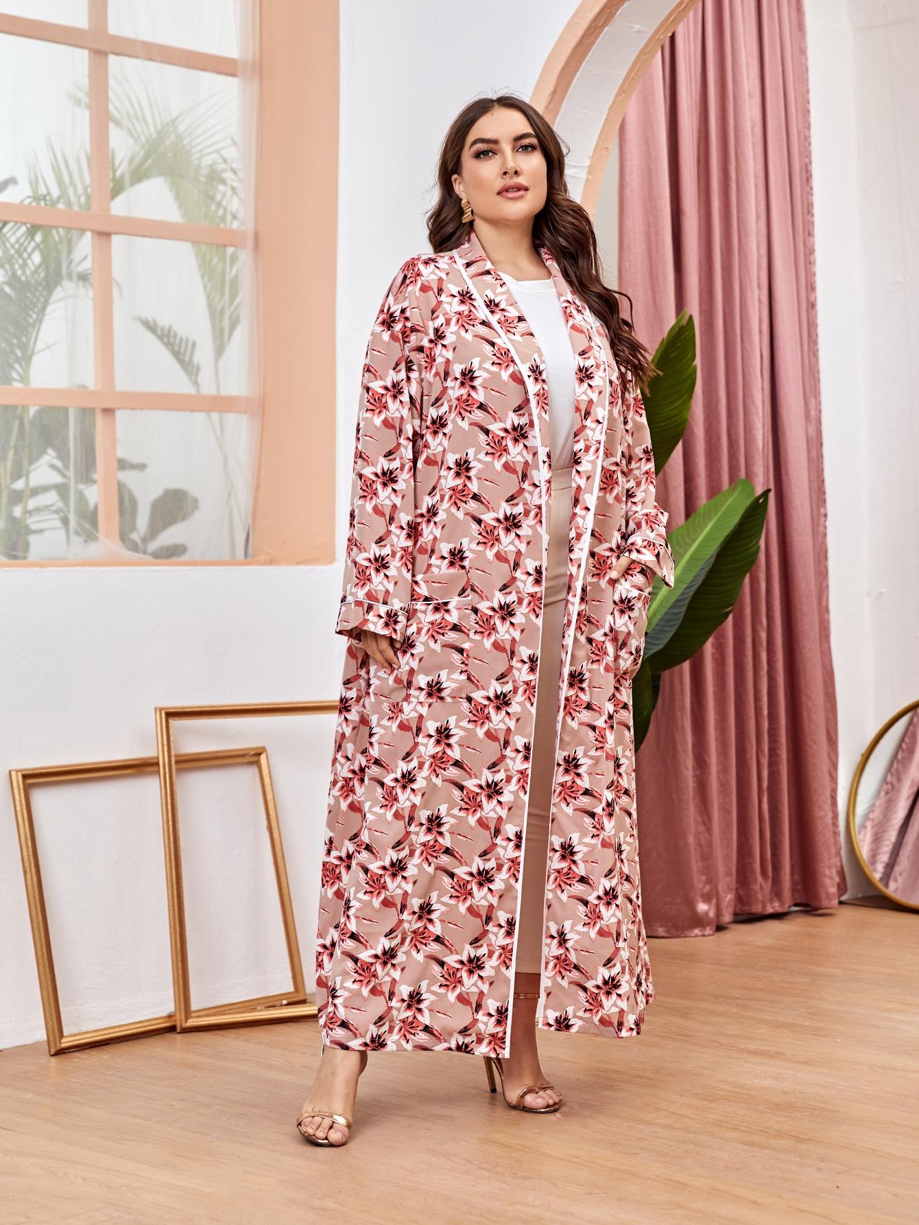 Plus Shawl Collar Patch Pocket Allover Floral Kimono