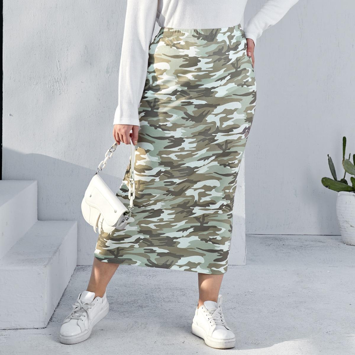 SHEIN / Plus Elastic Waist Camo Skirt