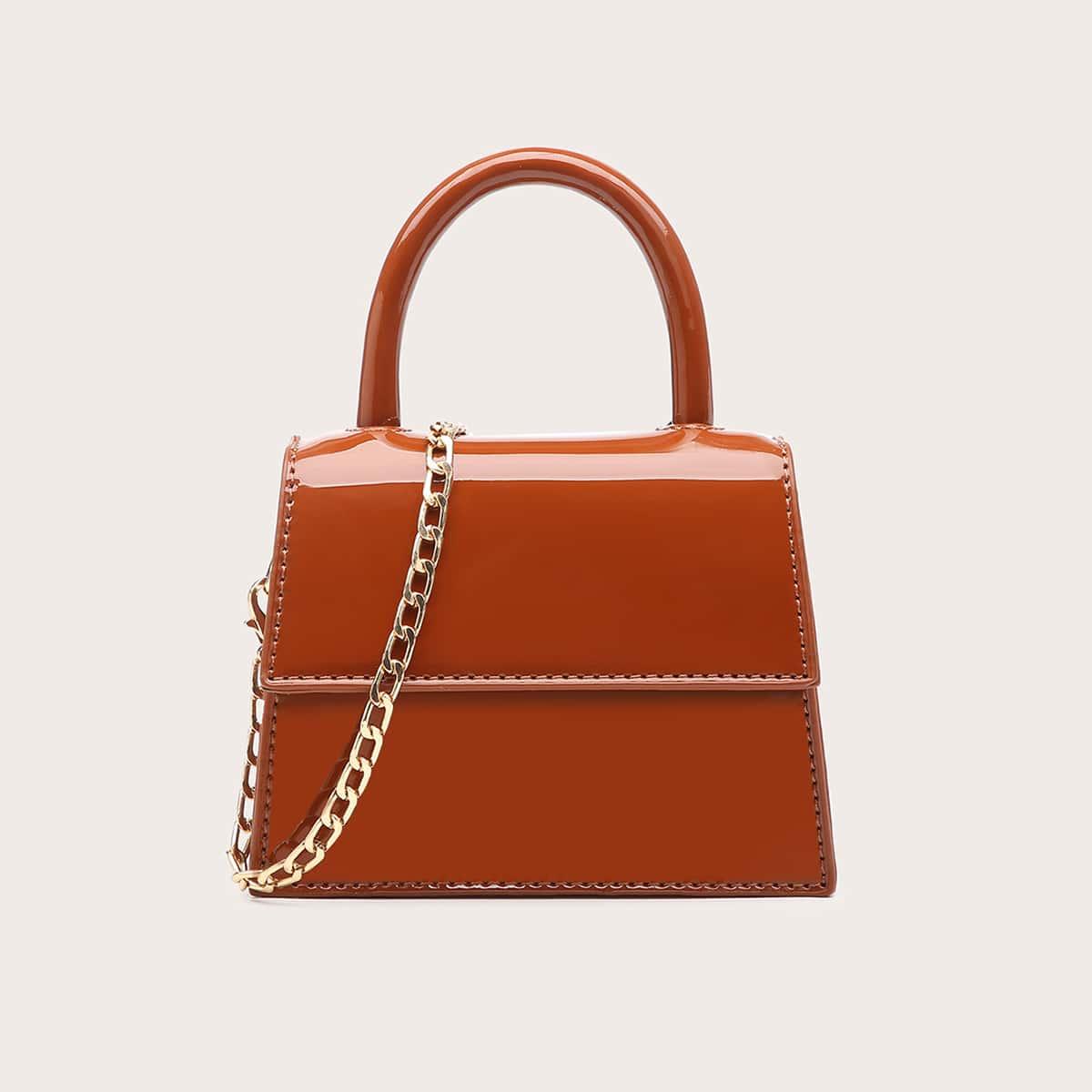 На цепочке одноцветный модный сумка