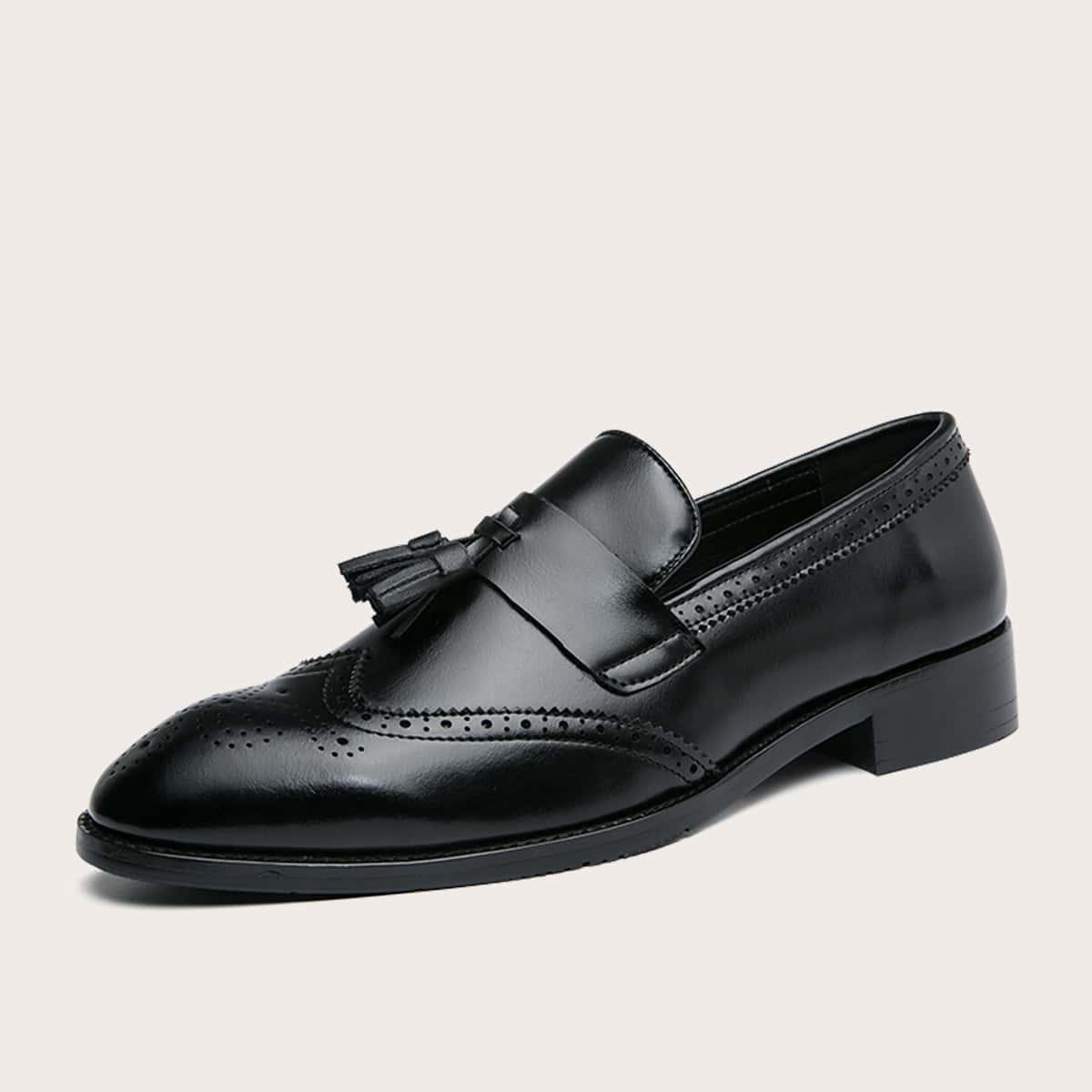 Мужские официальные туфли на шнурках с бахромой