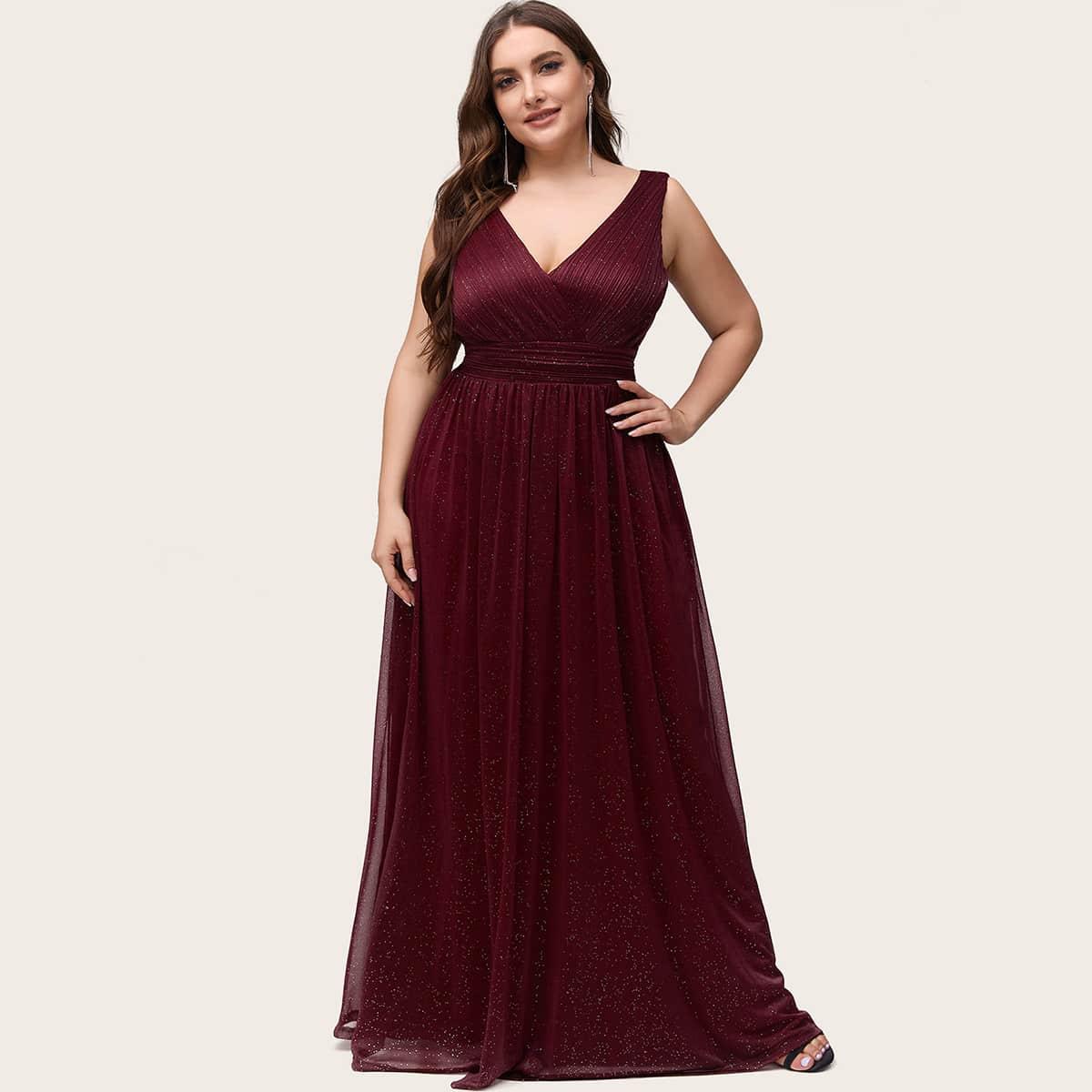 Блестящее платье размера плюс с v-образным воротником