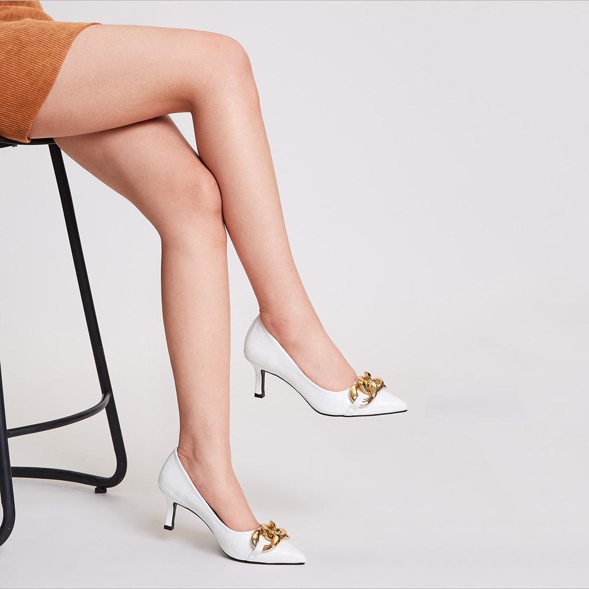 Остроконечные туфли на каблуке с цепочкой