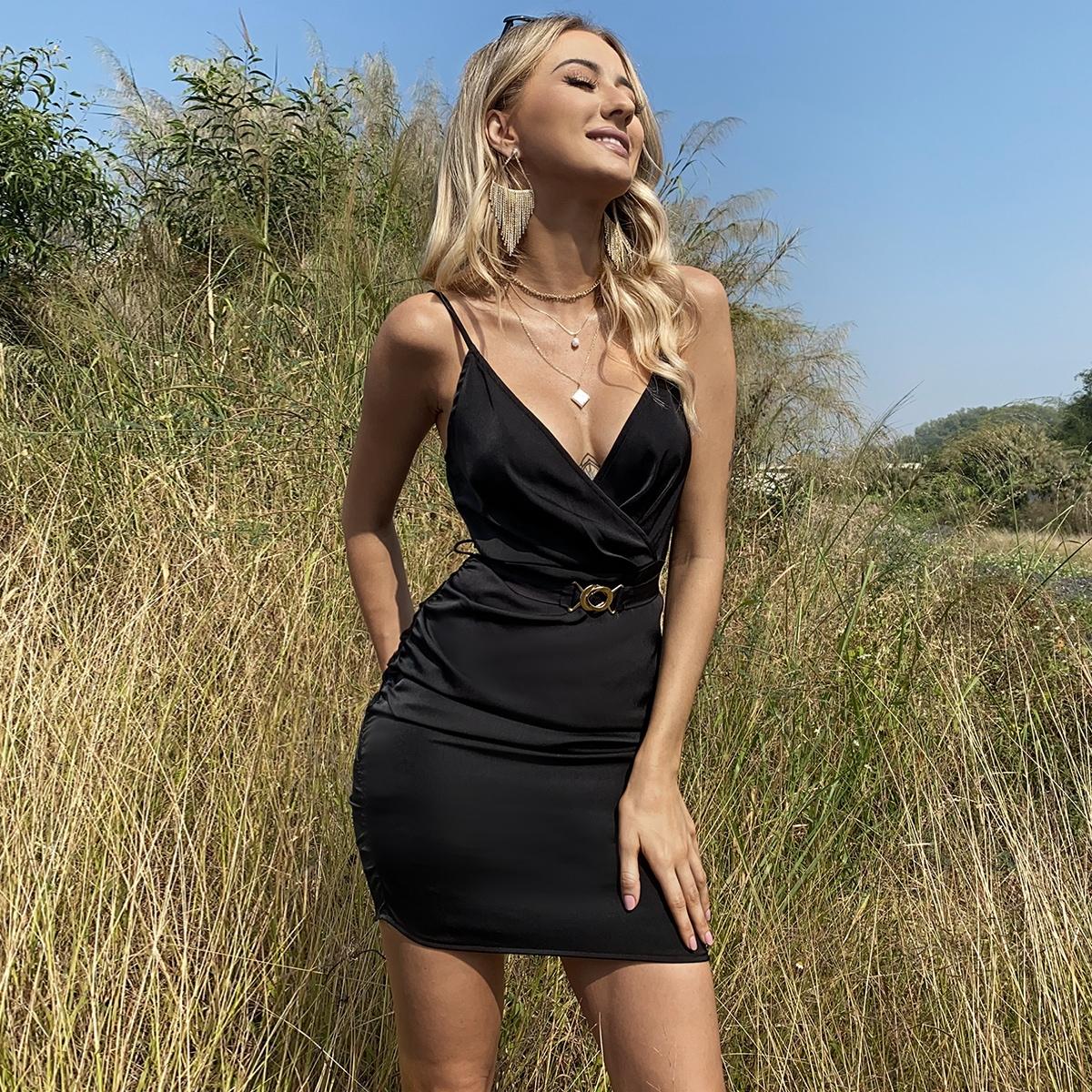 Платье со сборками с поясом из атласа SheIn swdress42201211134