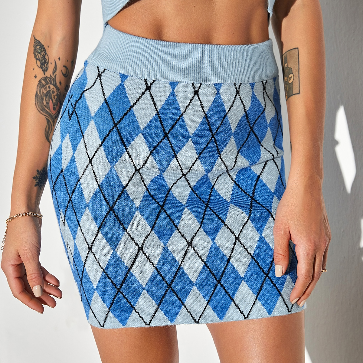 Геометрический принт институтский вязаные юбки