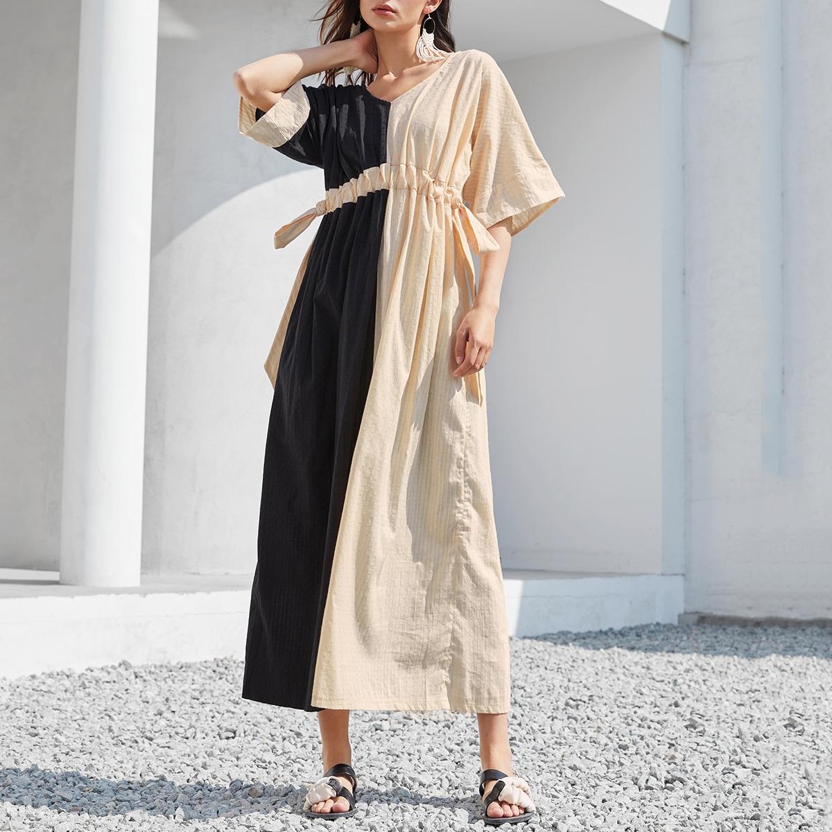 на кулиске Контрастный цвет Скромный Платье