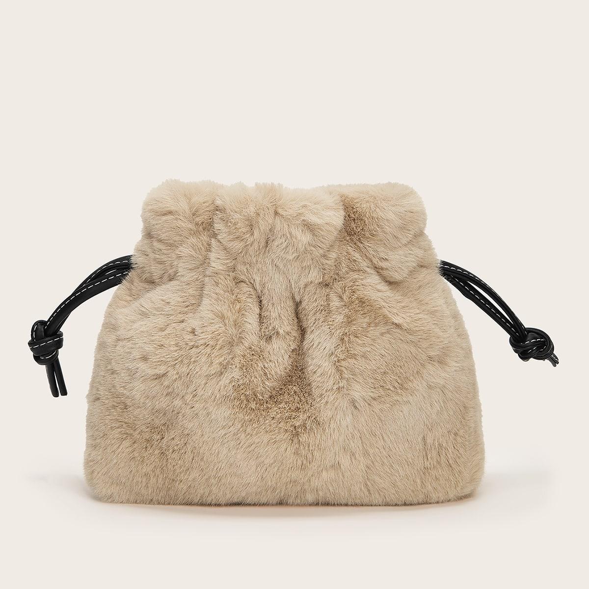 Плюшевая сумка на цепочке