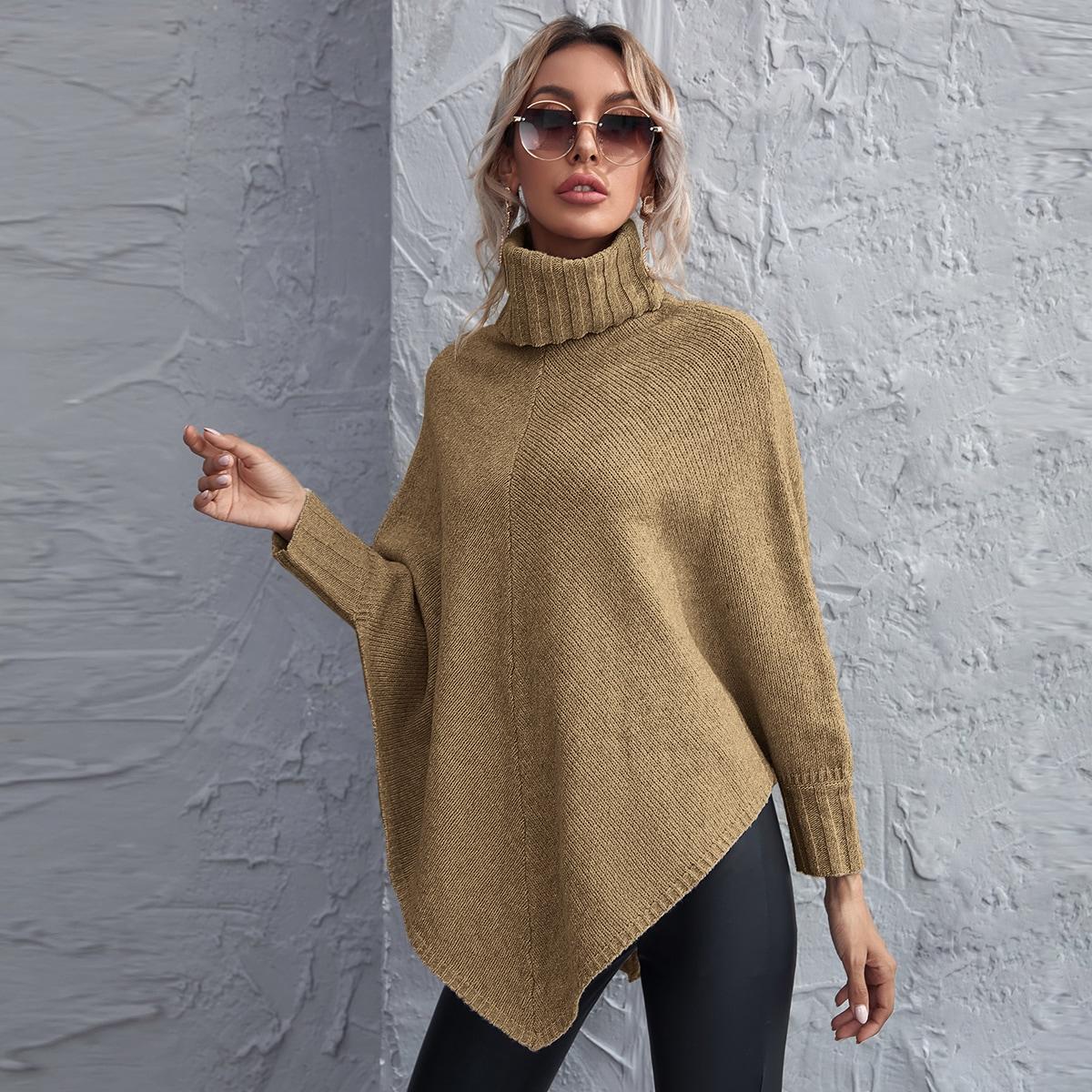 Асимметричный свитер-пончо с высоким воротником