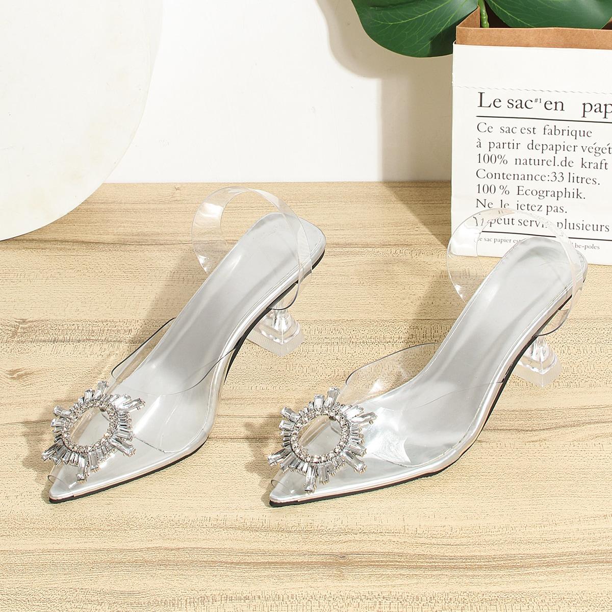 Прозрачные туфли на среднем каблуке со стразами