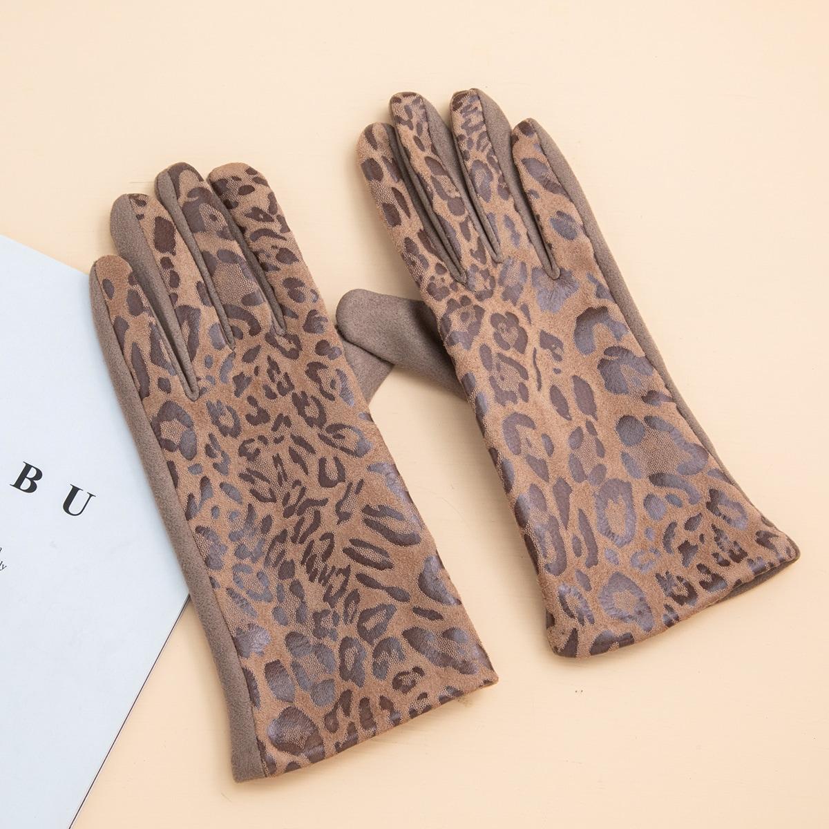 Перчатки с леопардовым принтом