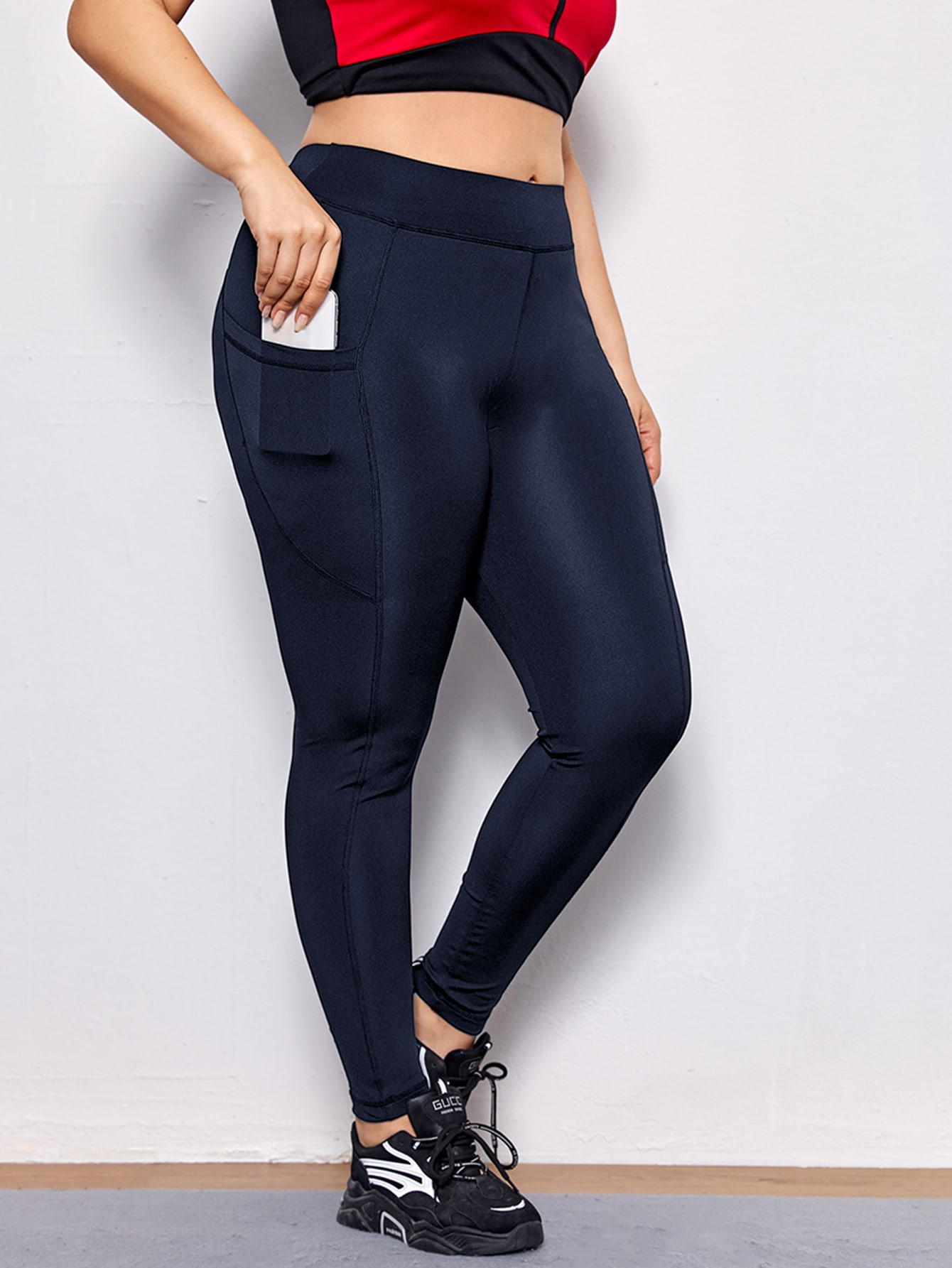 Plus Solid Sports Leggings With Phone Pocket thumbnail