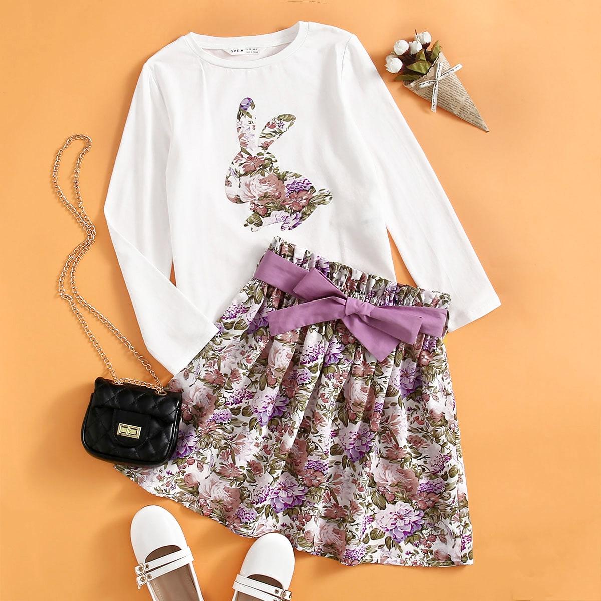 Conjunto camiseta con estampado de conejo con falda floral con cinturón
