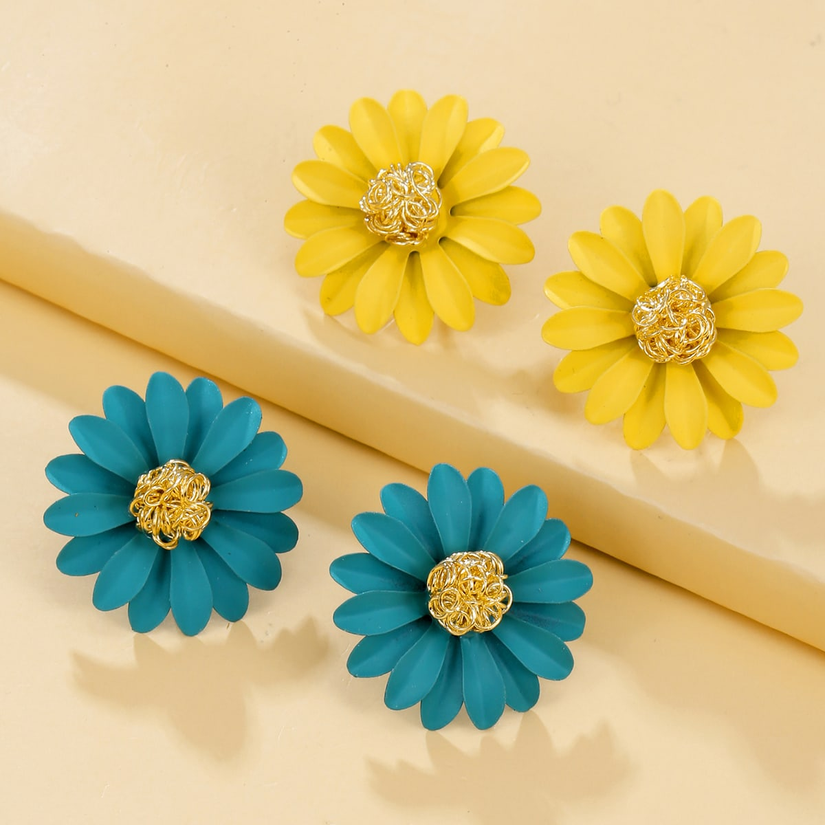 2pairs Flower Design Stud Earrings, SHEIN  - buy with discount