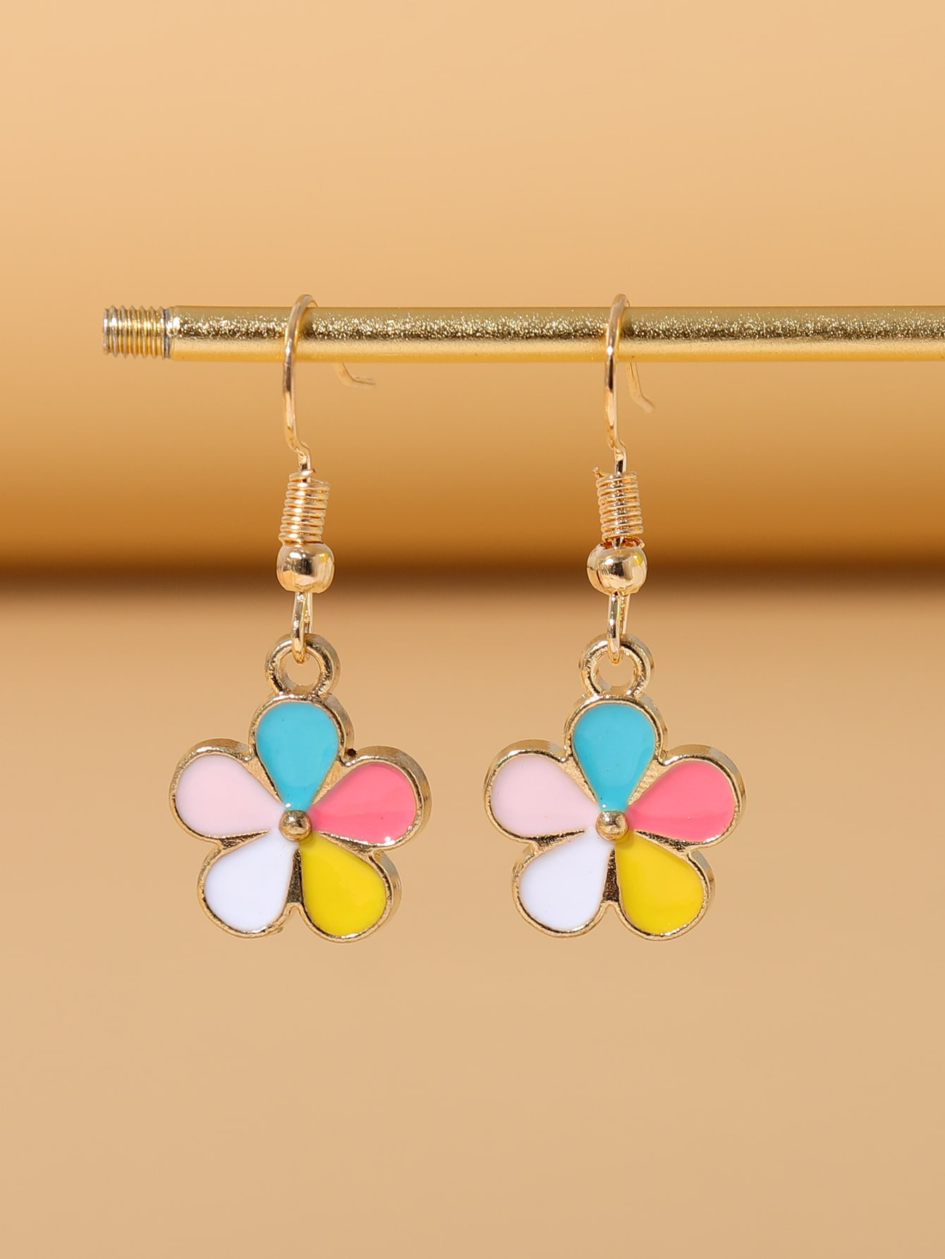 Flower Design Drop Earrings thumbnail