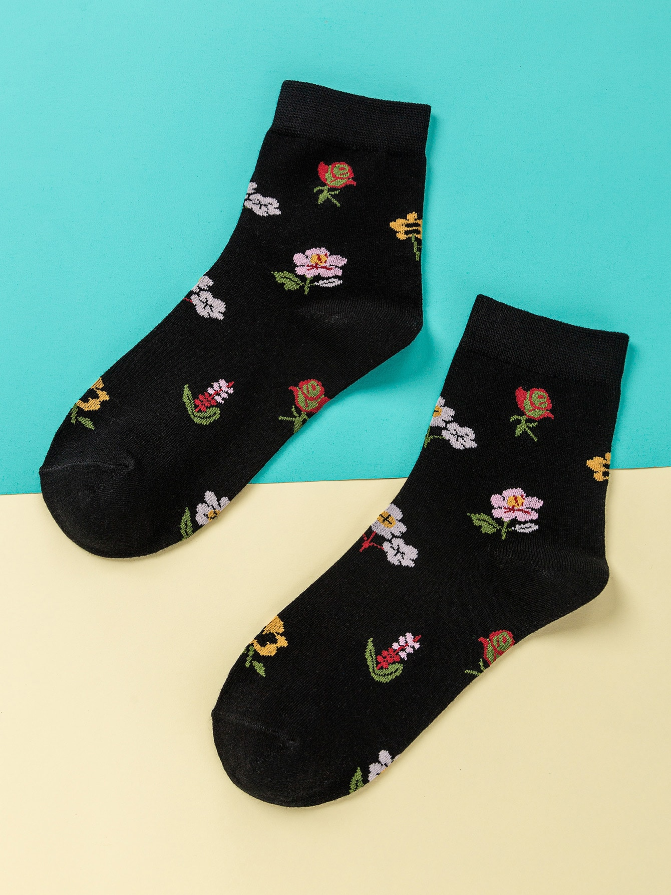 Flower Pattern Socks thumbnail