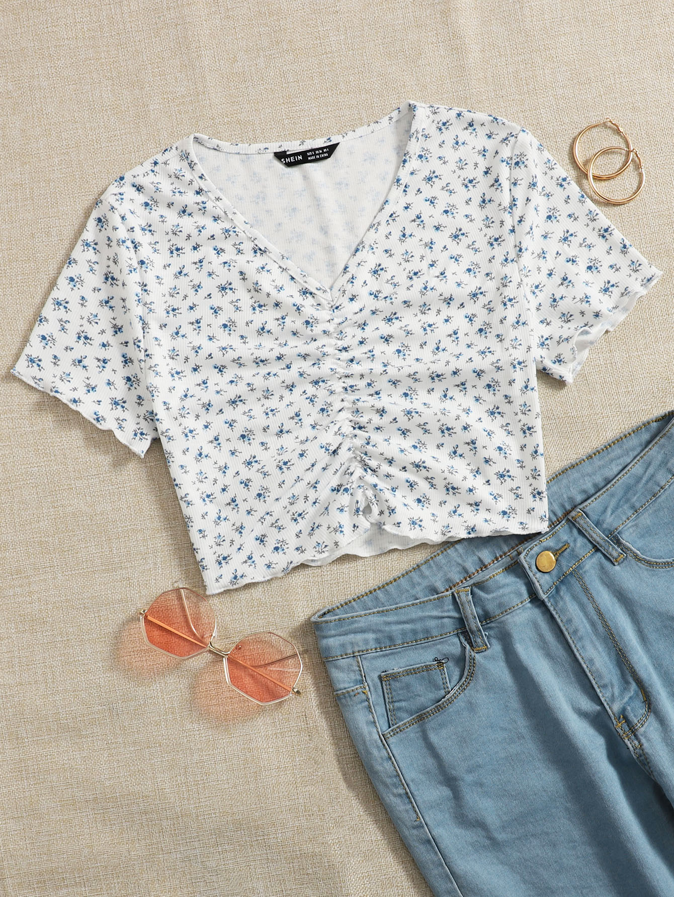 Ditsy Floral Ruched Detail Tee thumbnail