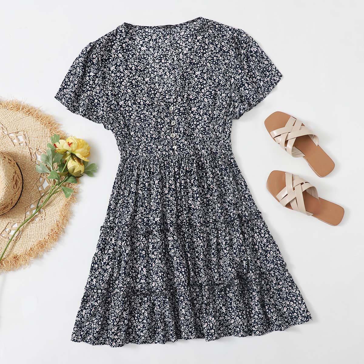 Платье размера плюс с цветочным принтом и пуговицами