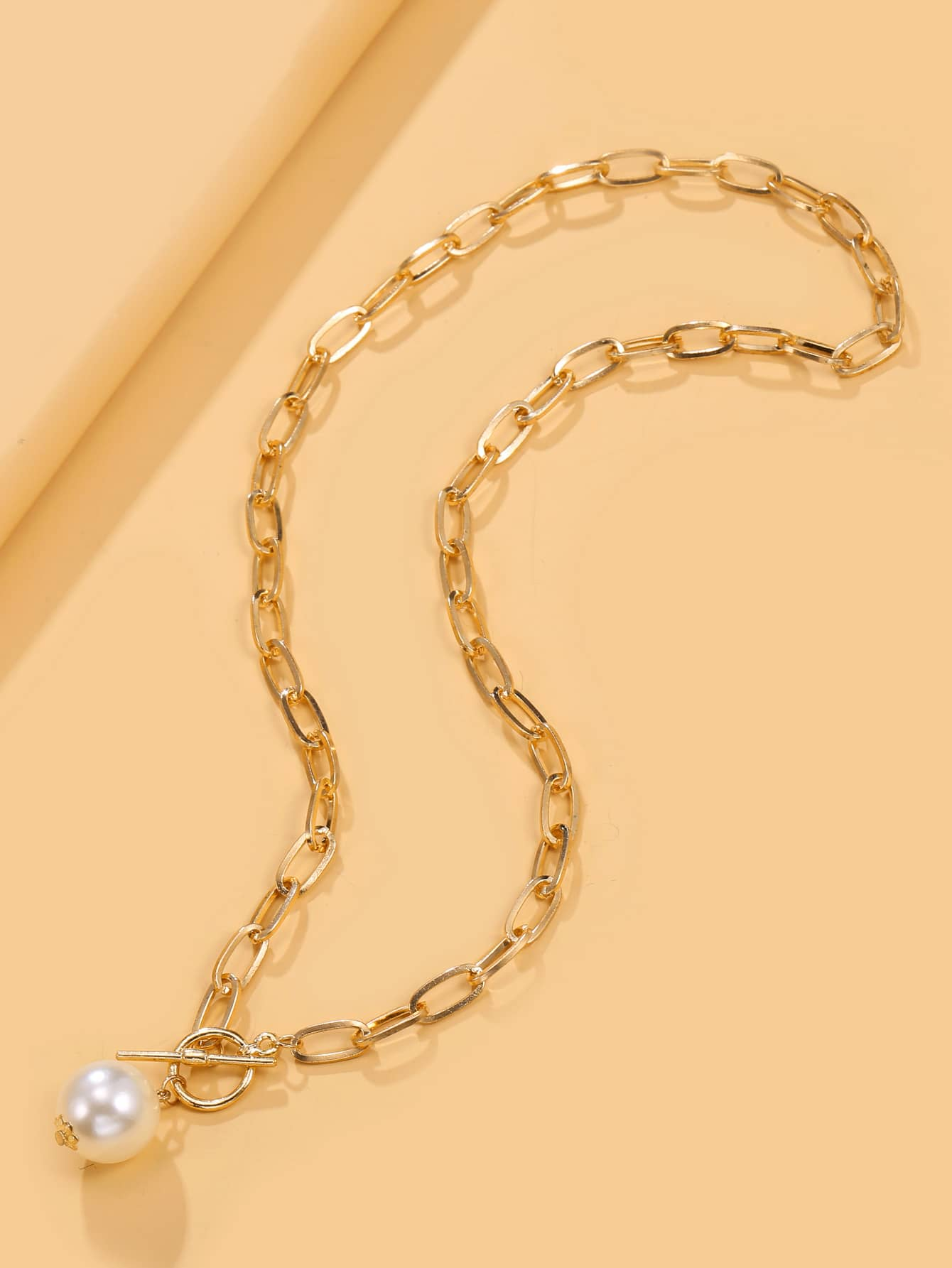 Faux Pearl Decor Chain Necklace thumbnail