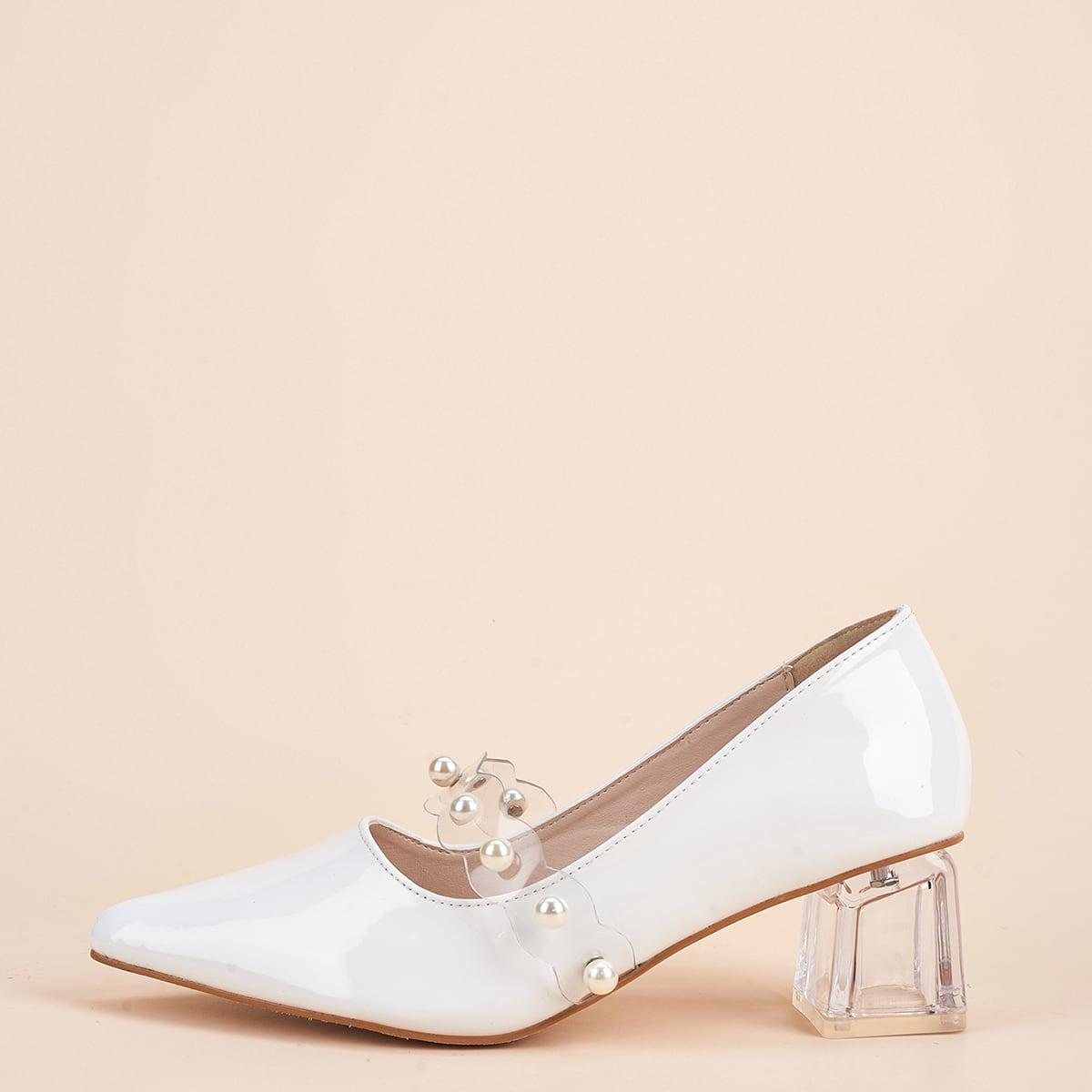 Туфли на каблуке с искусственными жемчугами