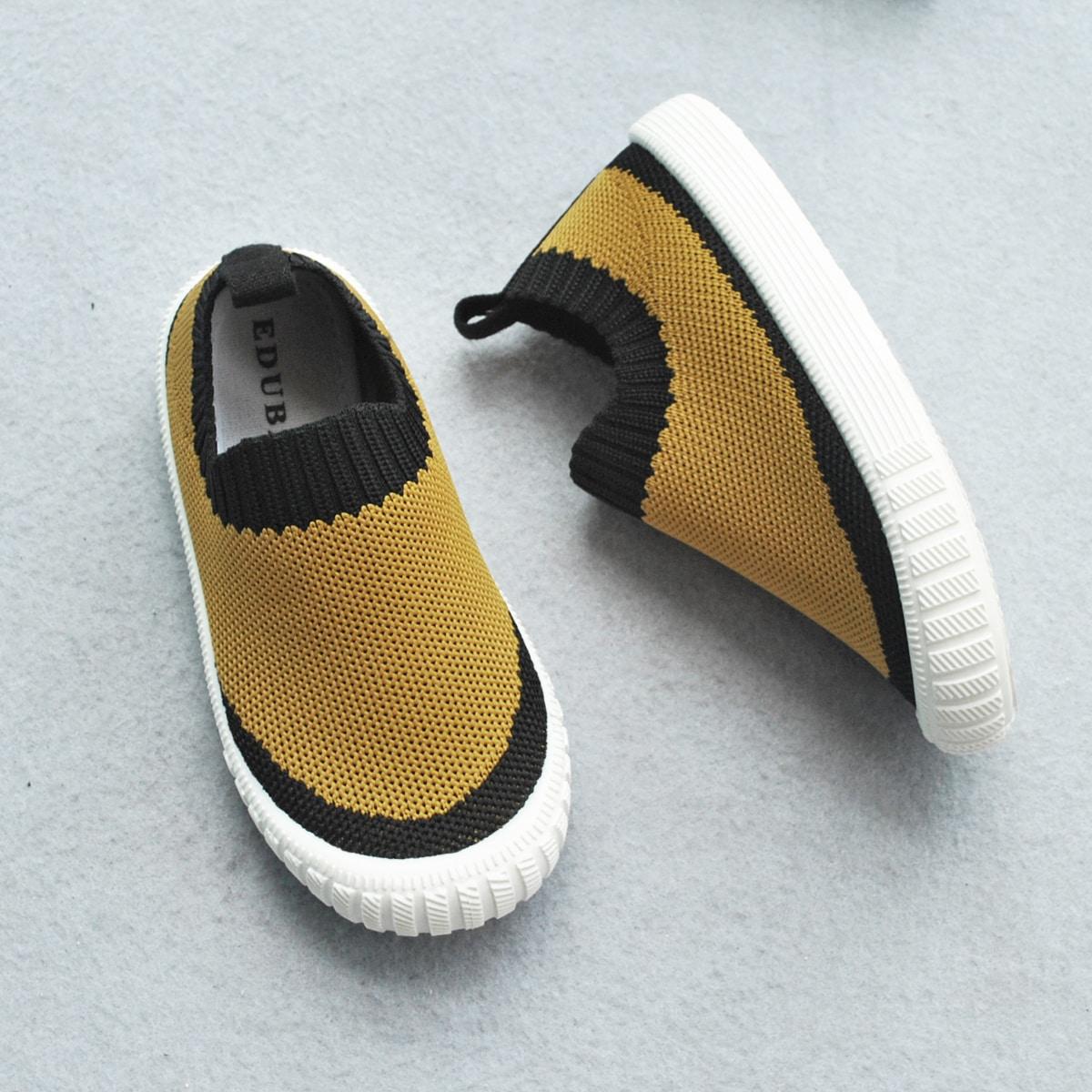Двухцветные кроссовки для мальчиков от SHEIN