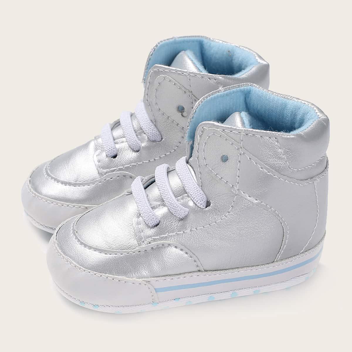 Кроссовки на шнурках для мальчиков