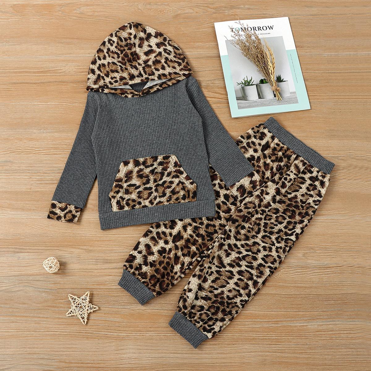 Толстовка и брюки с леопардовым принтом для девочек