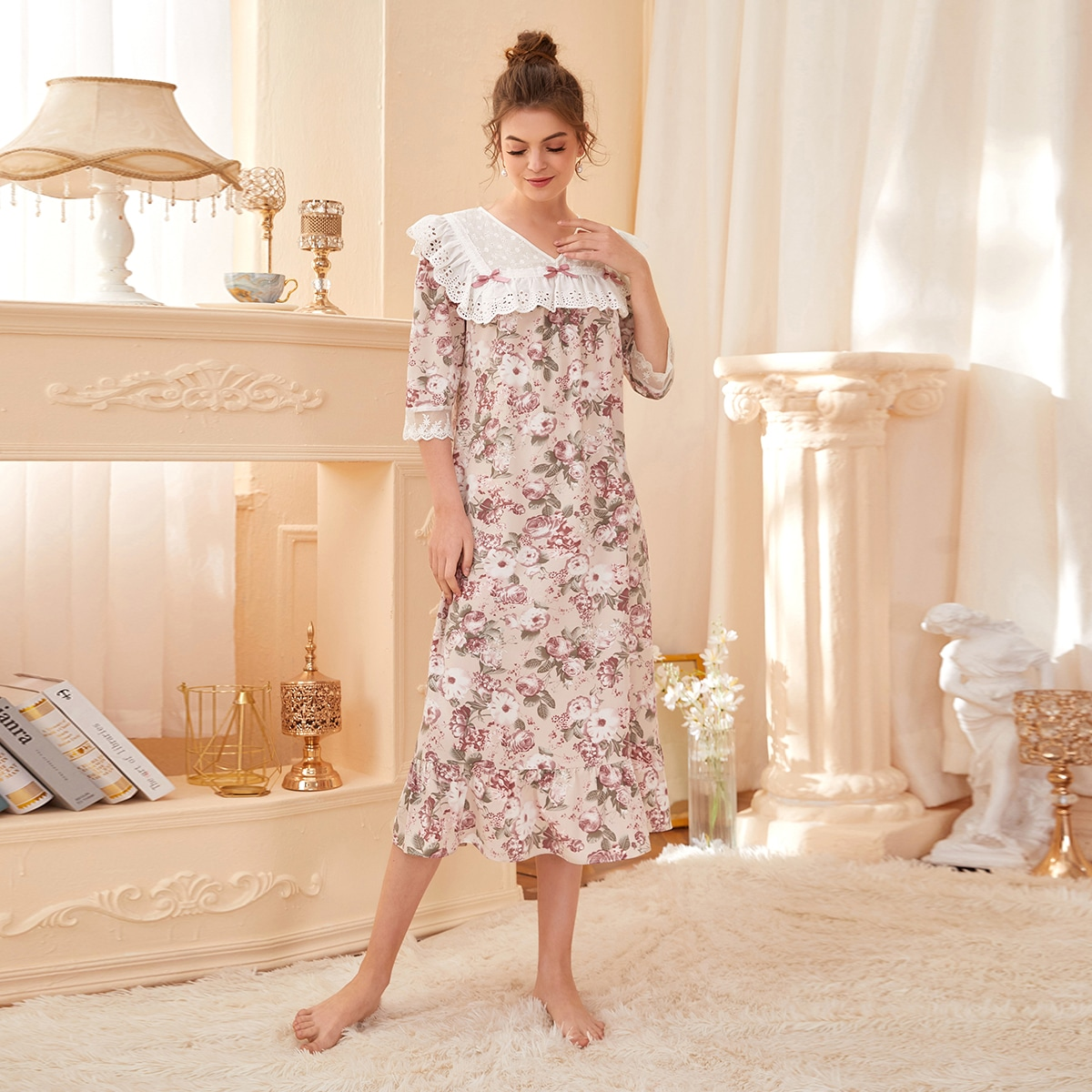 Пижама с кружевной отделкой и цветочным узором