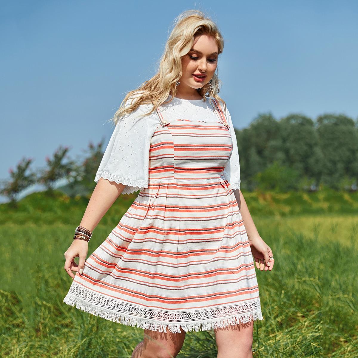 Платье размера плюс в полоску с пуговицами и бахромой