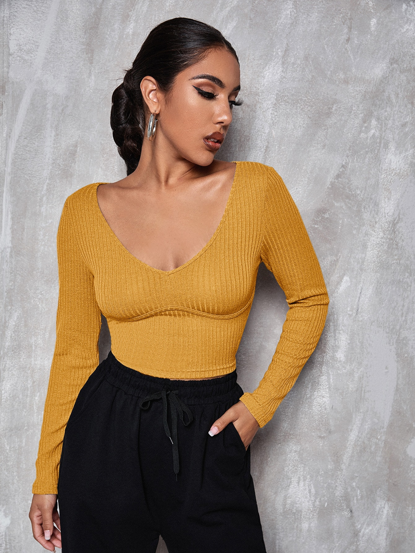 V Neck Solid Fitted Crop Tee thumbnail