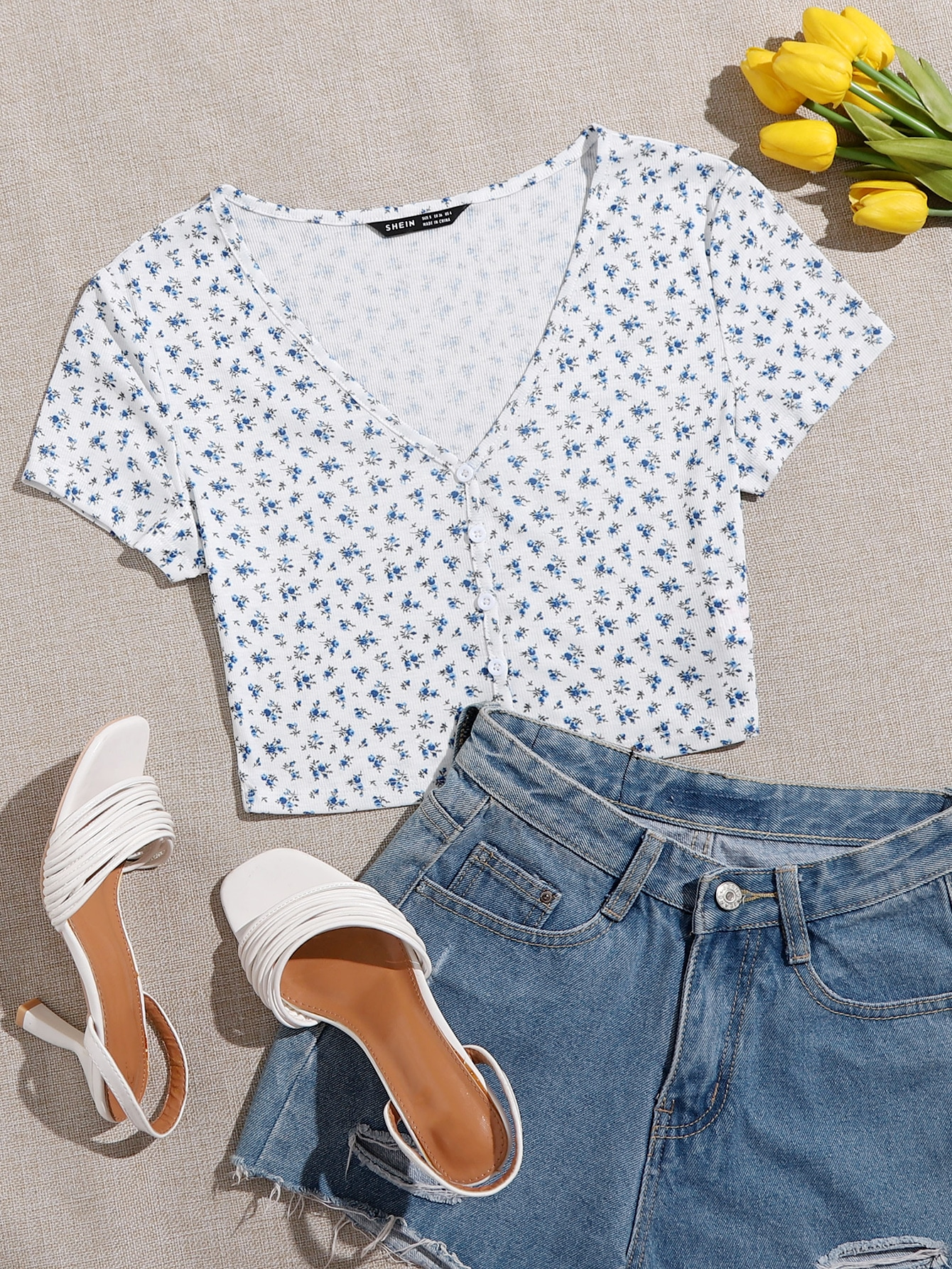 Single Breasted Ditsy Floral Crop Tee thumbnail