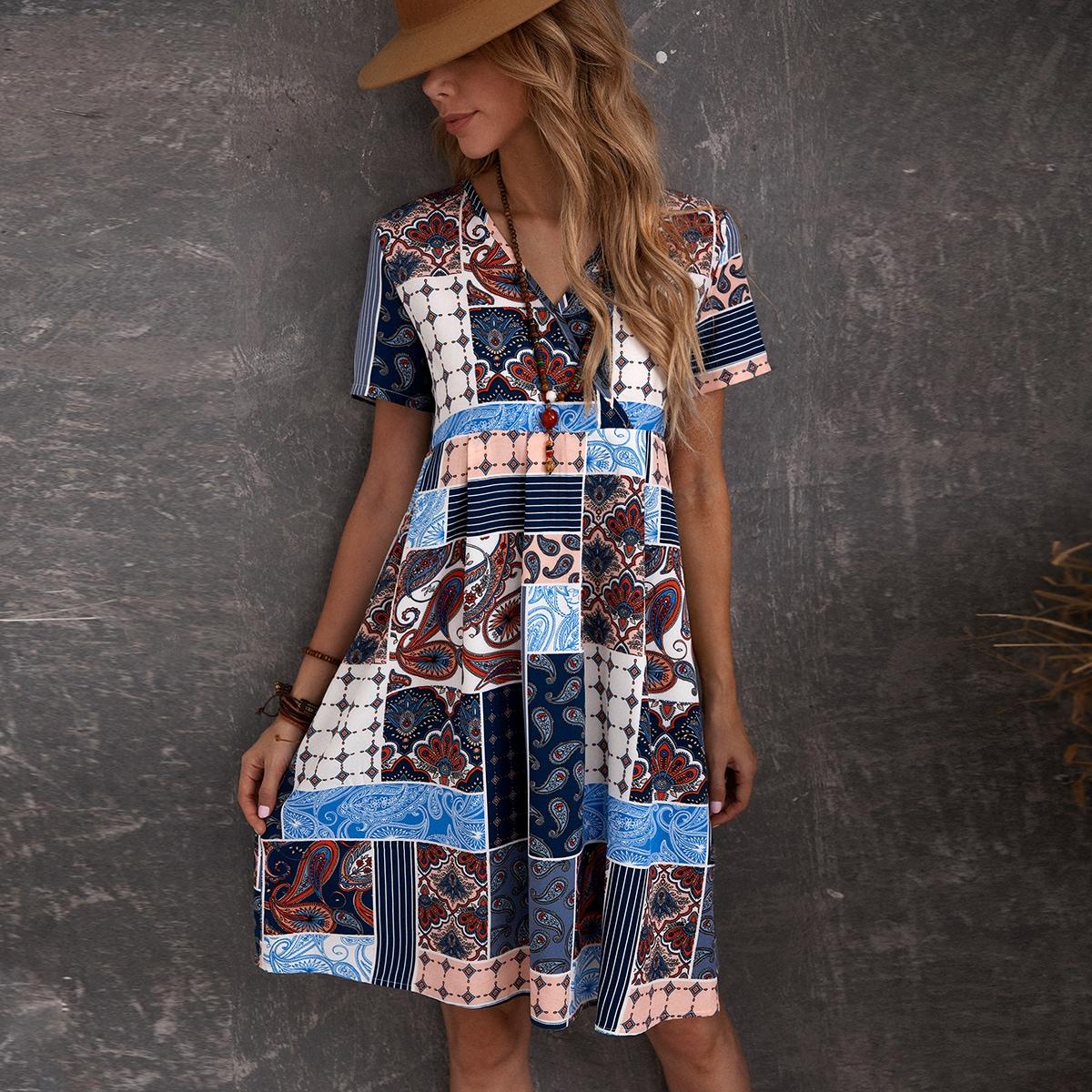 Платье с V-образным вырезом и принтом пейсли