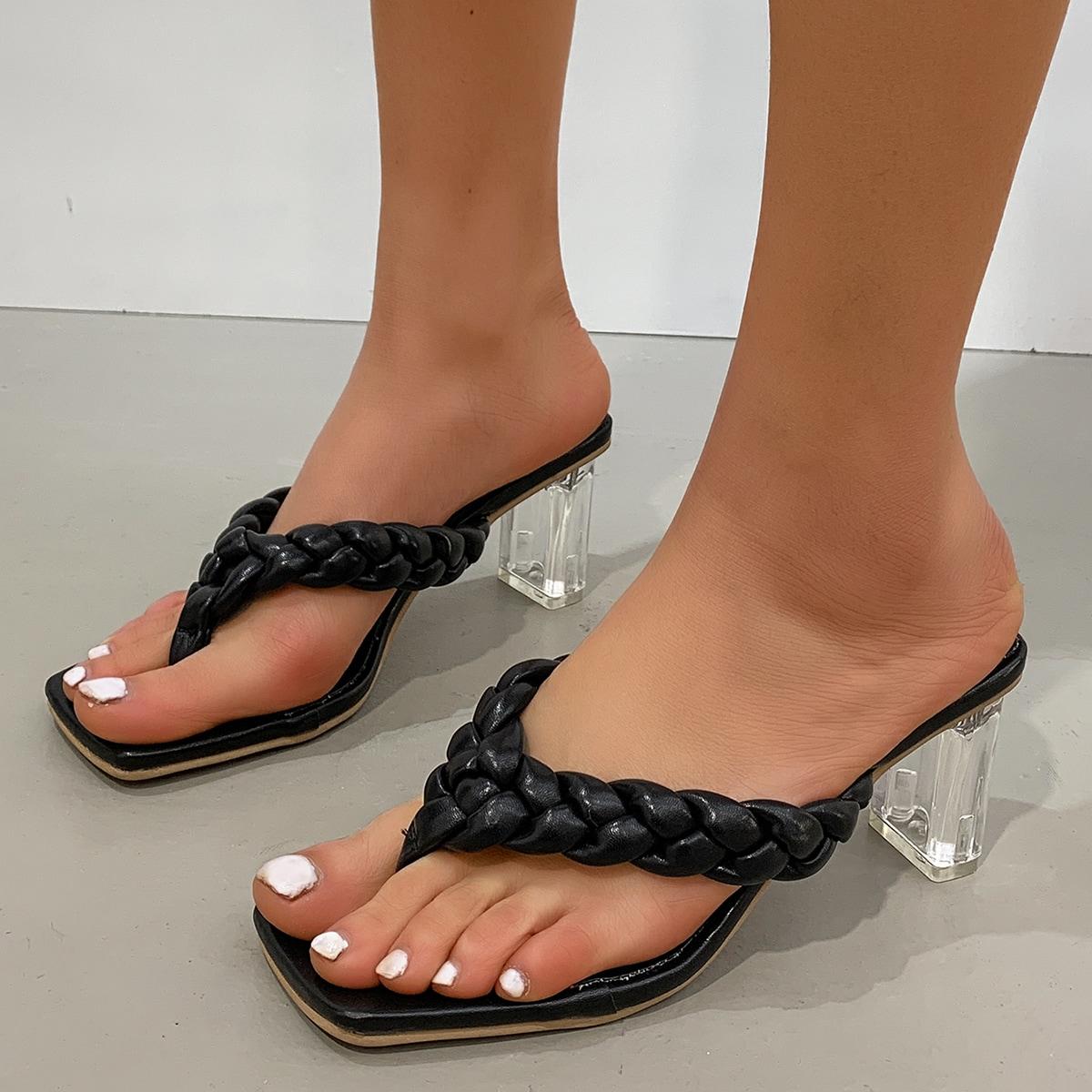Плетеные сандалии на прозрачном каблуке