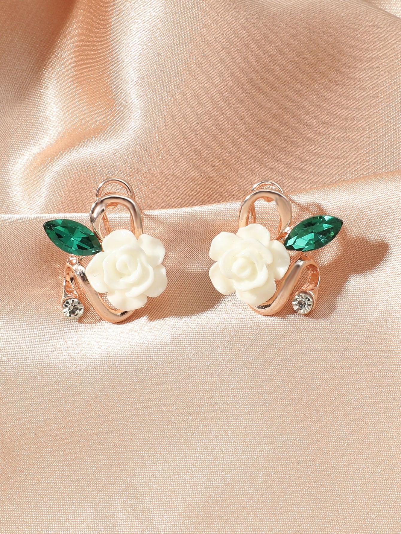 Flower Decor Earrings thumbnail