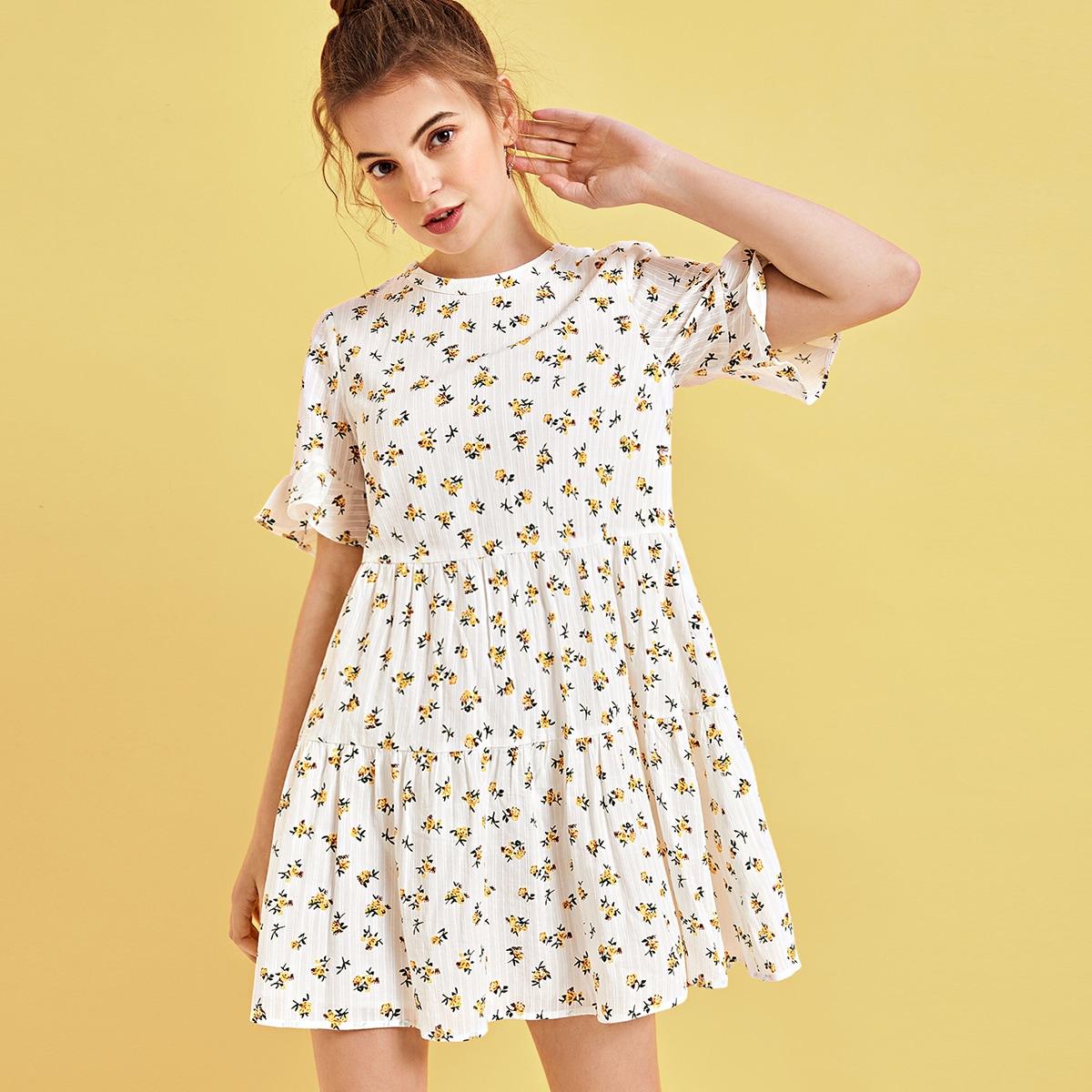 на пуговицах цветочный милый Платье