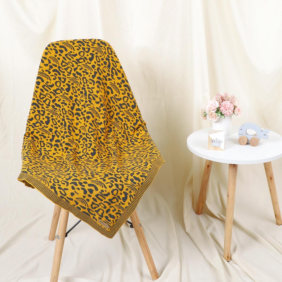 Детское одеяло с леопардовым узором