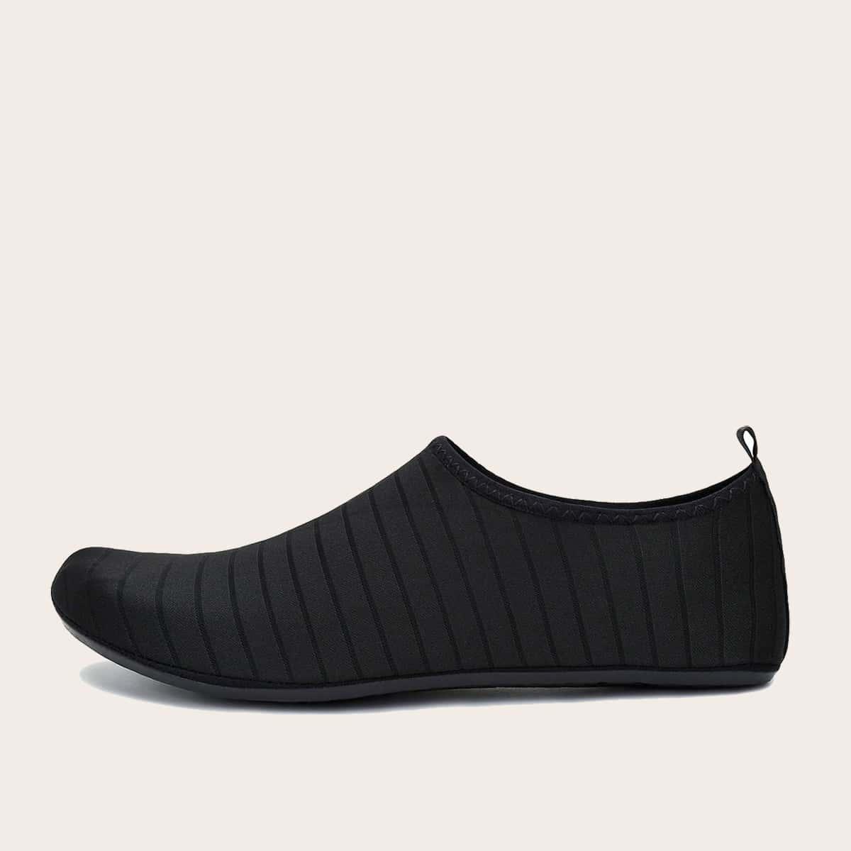 Мужские водные туфли в полоску
